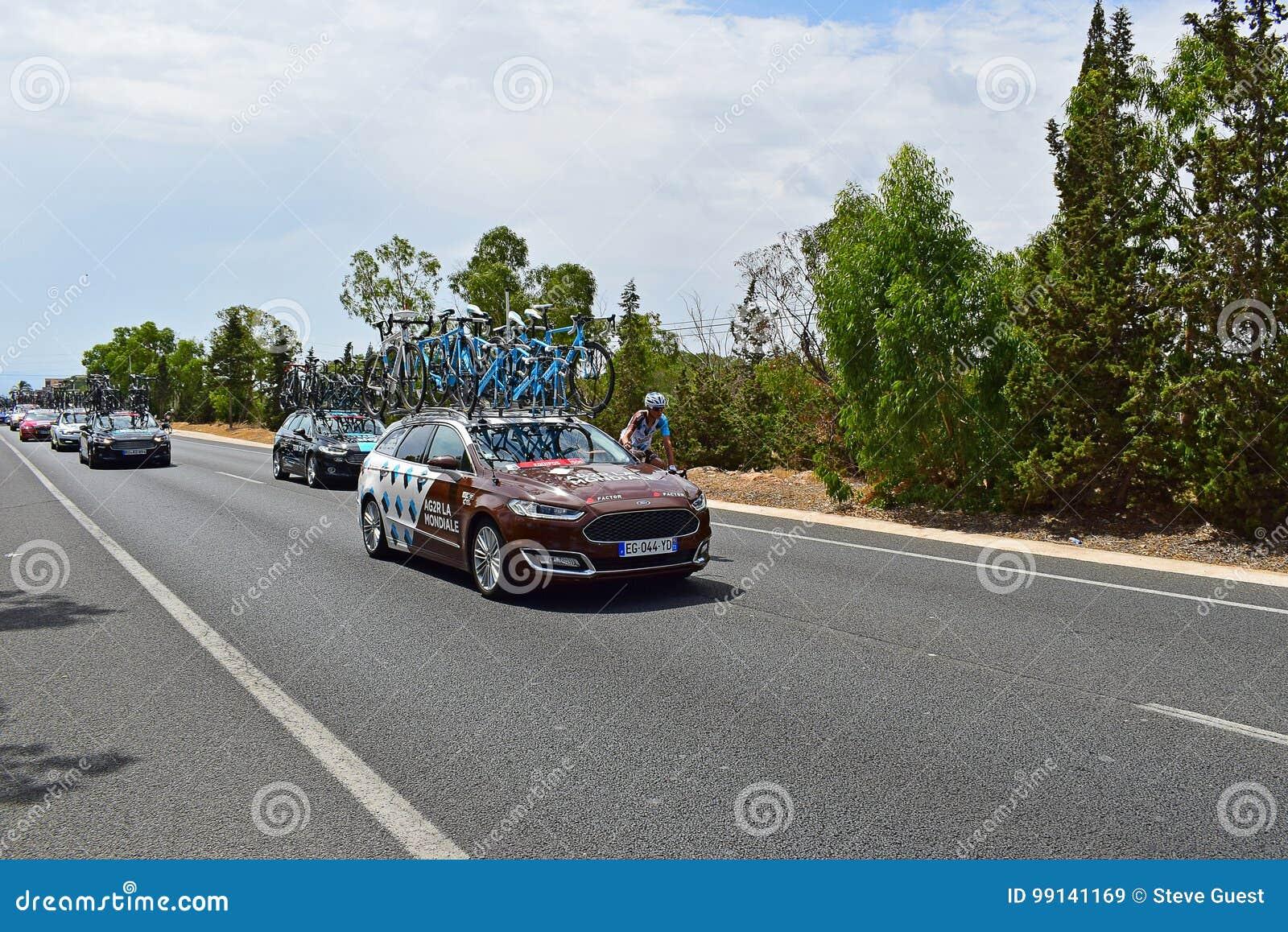 AG2R-LaMondiale bil och Rider La Vuelta España