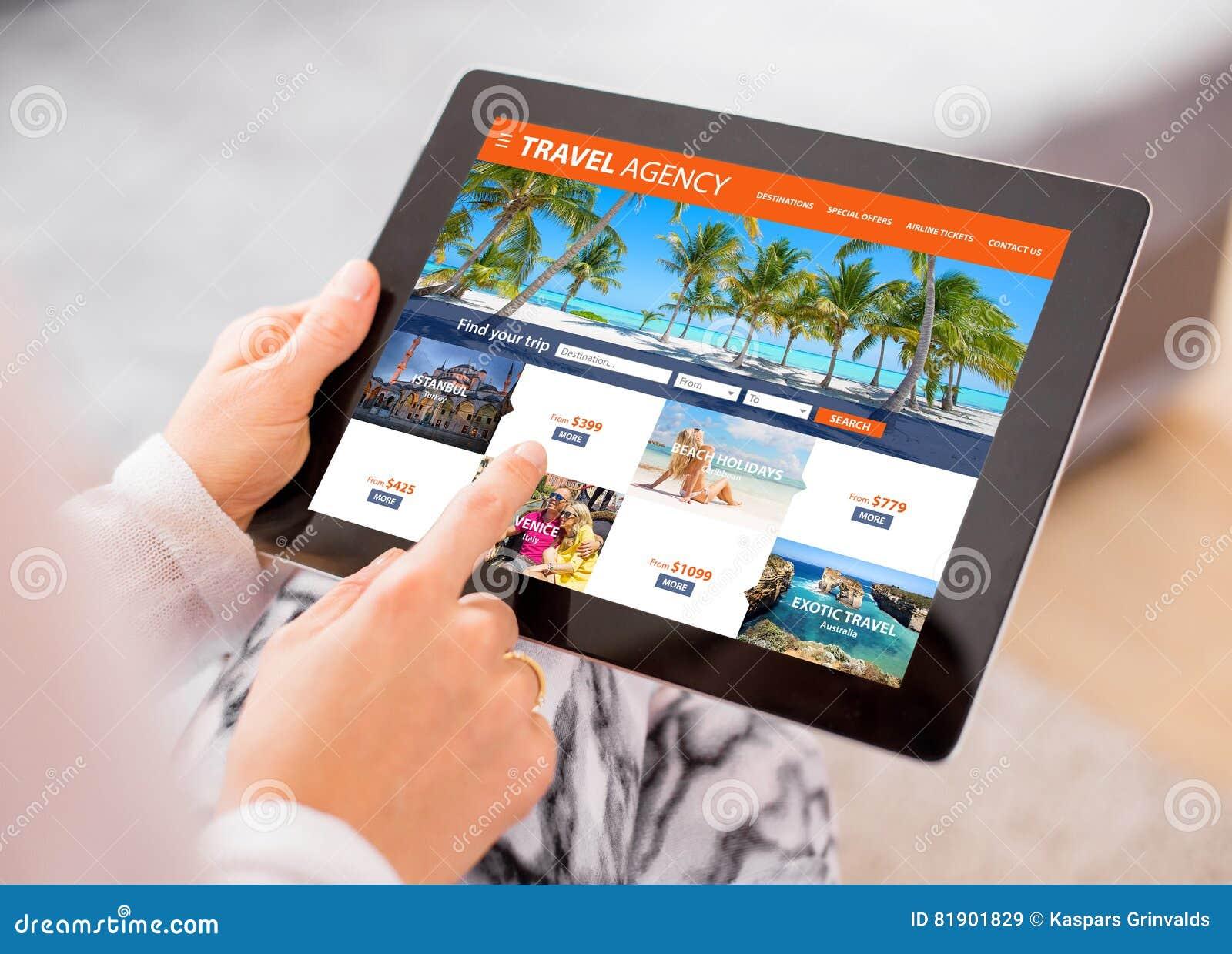 Agenci podróży ` s strona internetowa na pastylka komputerze