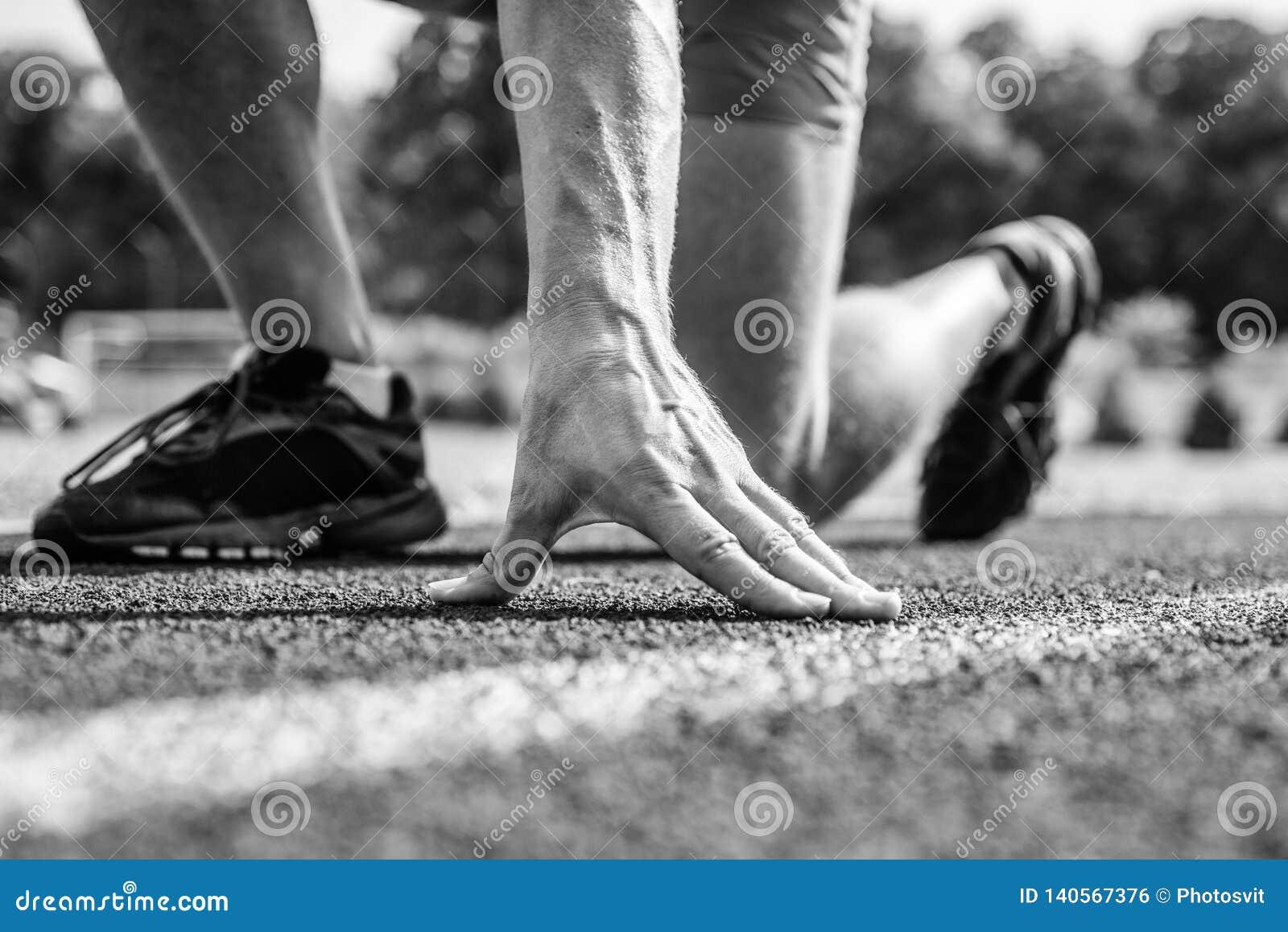 Agent klaar dicht te stijgen Klaar regelmatig gaat concept Bij begin van grote sportcarrière Uitgangspunt Handaanraking