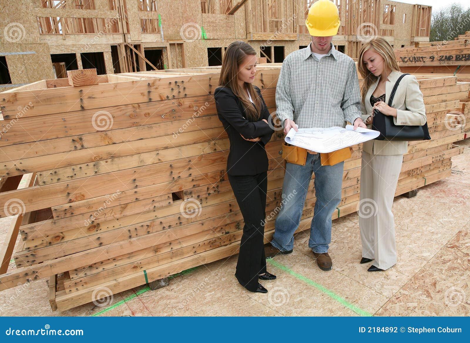 Agents et constructeur à la maison