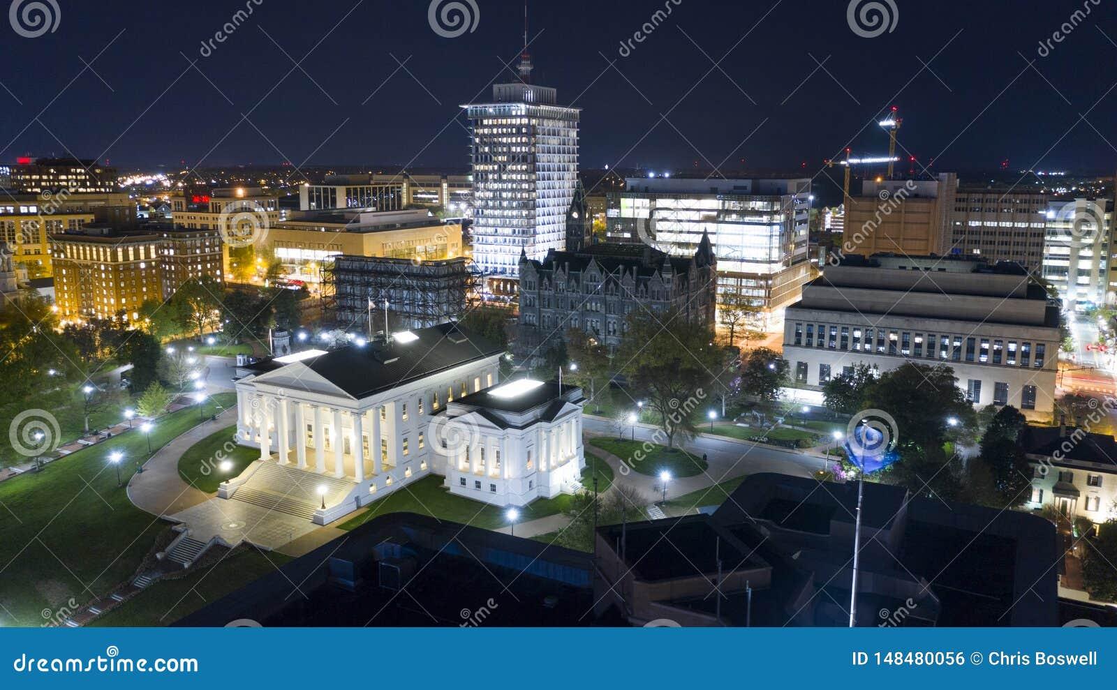 Agglomerazione urbana Richmond di Virginia State Capital Building Downtown di vista aerea