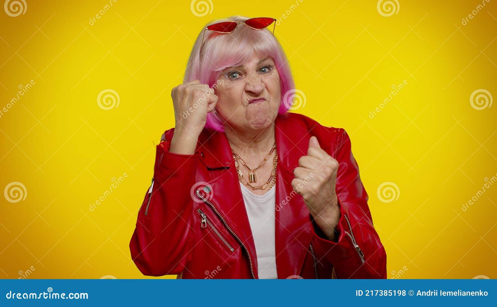 Fist granny Syren De