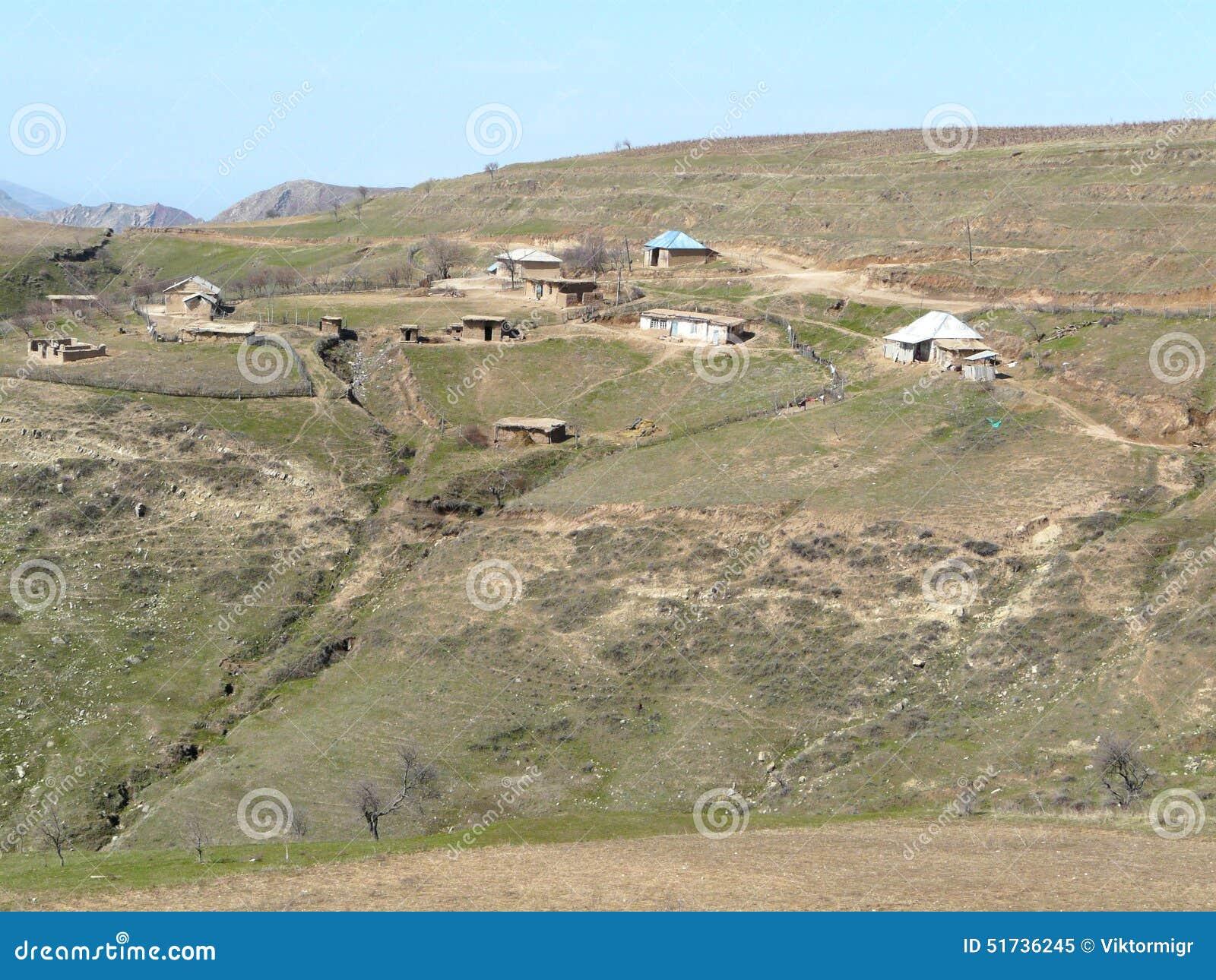 Agricoltore di tagico della proprietà terriera
