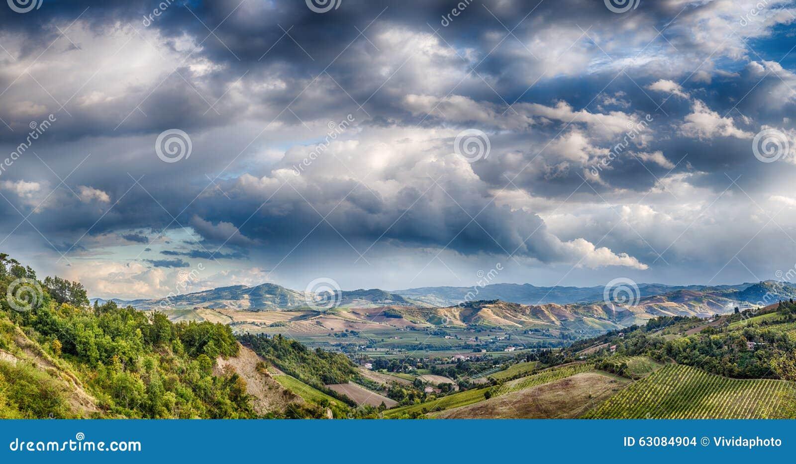 Download Agriculture Et Nature En Collines De Romagna Photo stock - Image du harmonieux, italie: 63084904