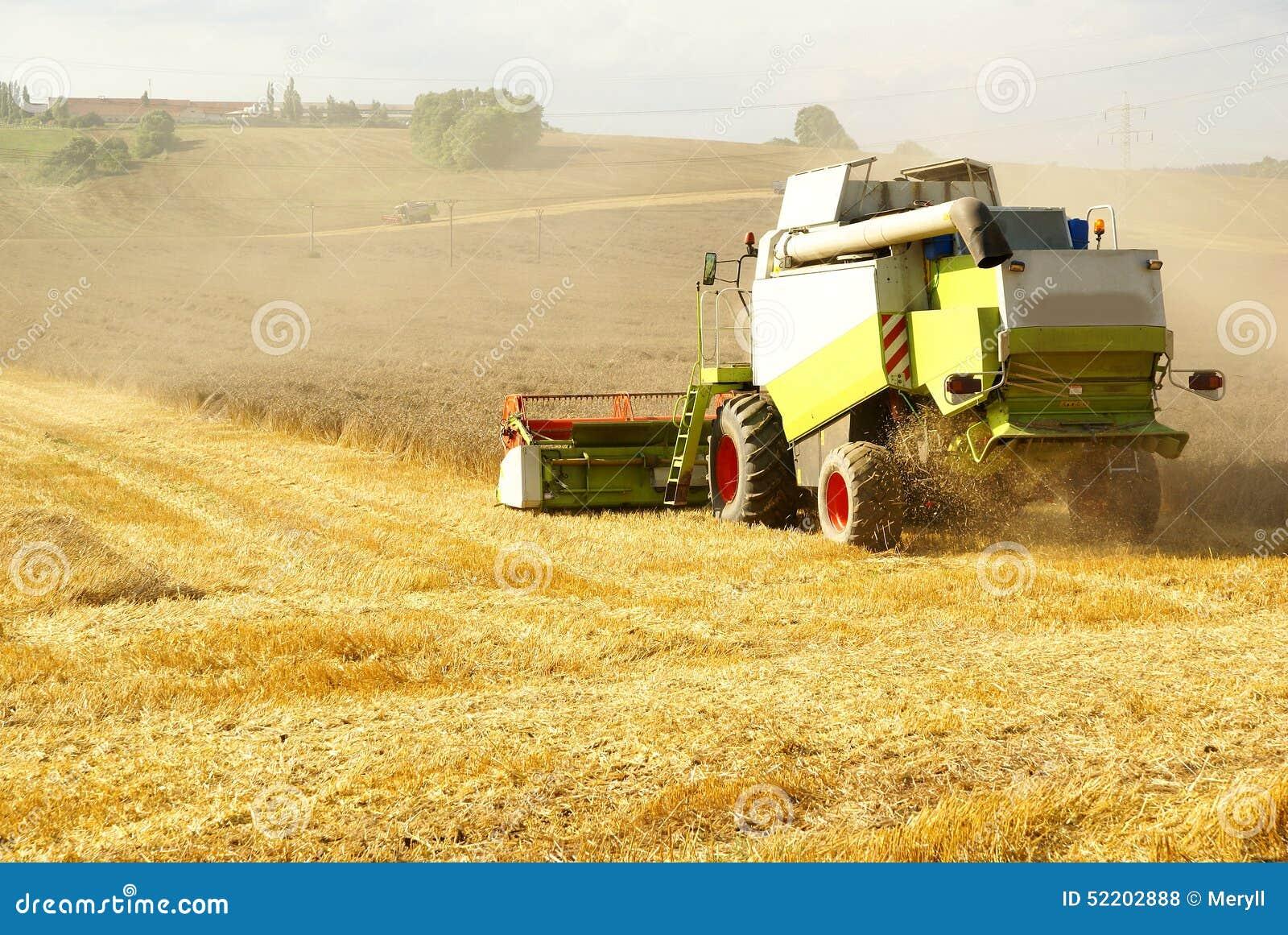 agricultural harvesting machine