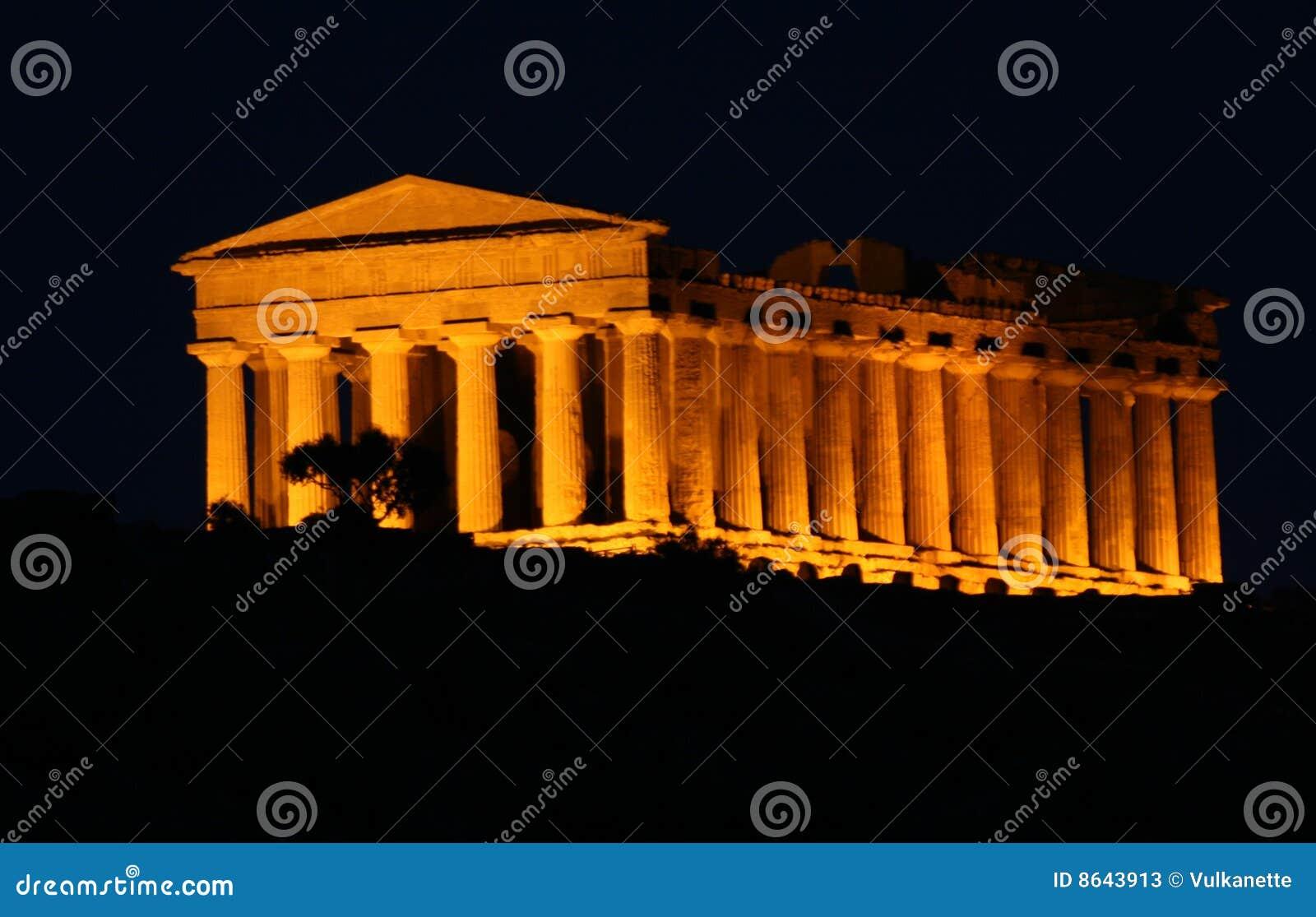 Agrigento griekse tempel in sicili stock foto 39 s beeld 8643913 - Oude griekse decoratie ...