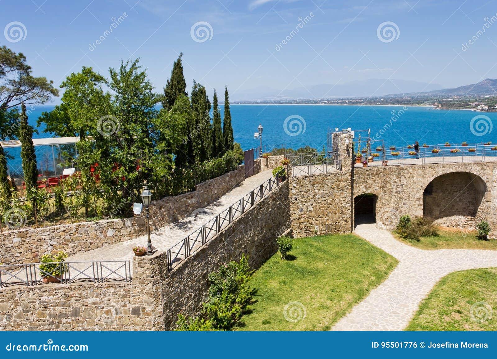 Agropoli Castello Angioino Aragonese um Salerno