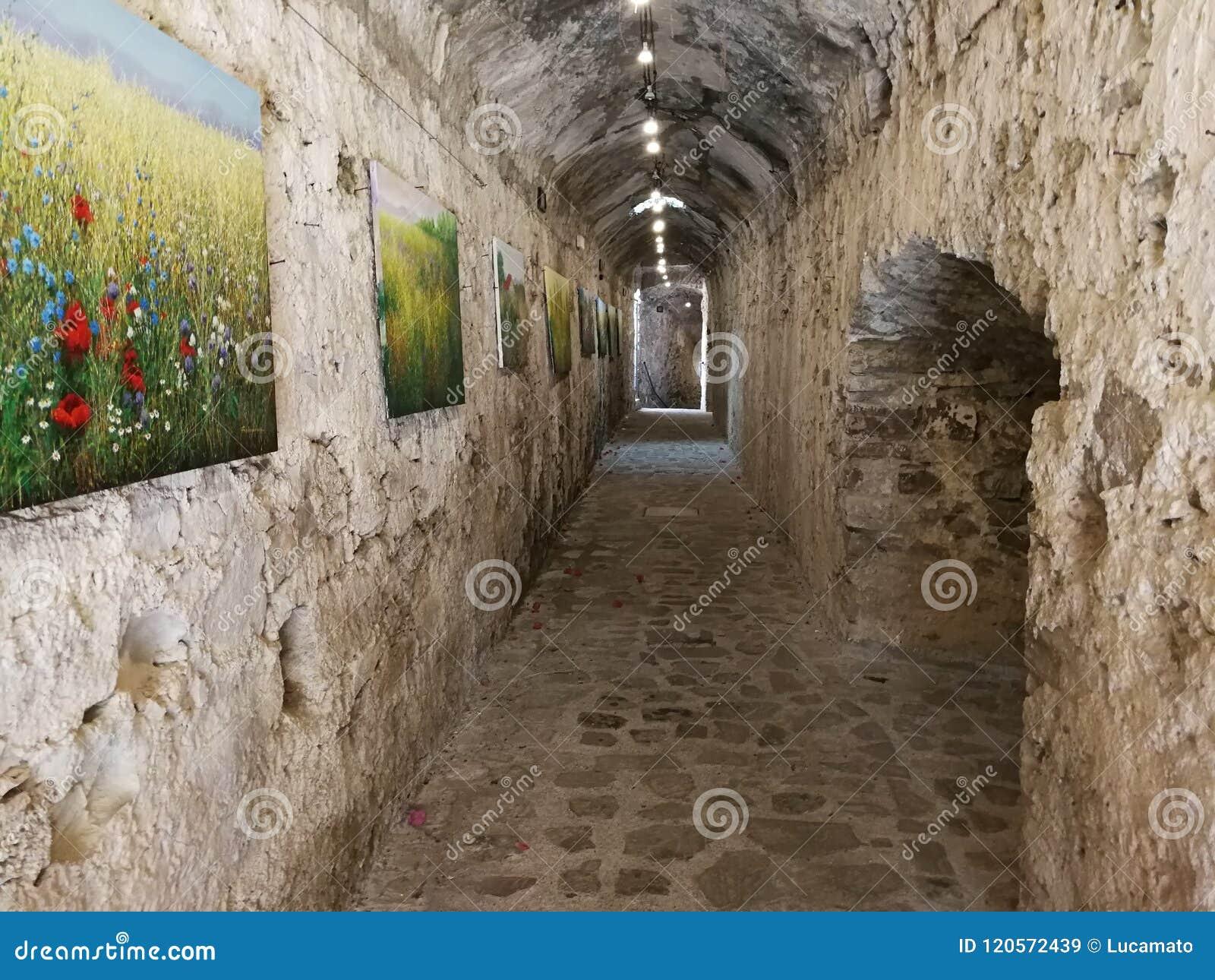 Agropoli - Gang van het Aragonese-kasteel