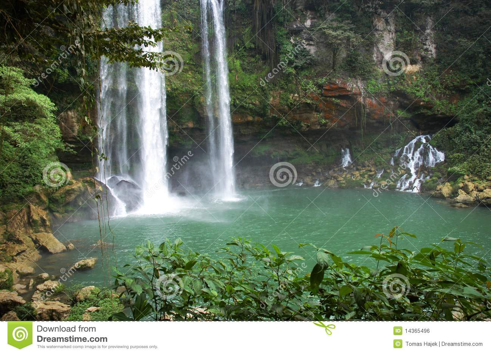 Agua azul m xico de la cascada imagen de archivo libre de for Motor para cascada de agua