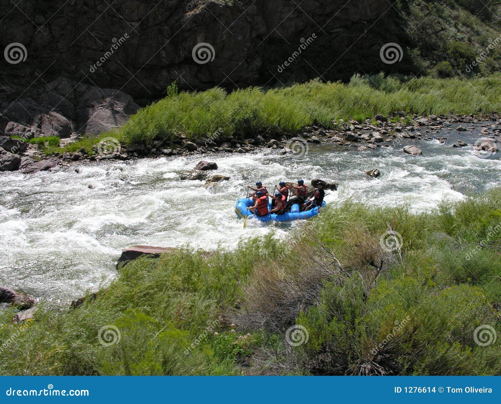 Download Agua Blanca Que Transporta En Balsa En Colorado. Foto de archivo - Imagen de pacífico, rocoso: 1276614