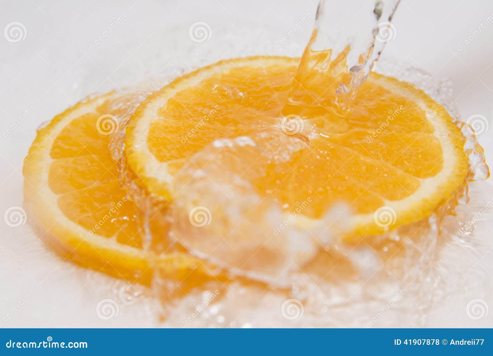 Agua de las naranjas
