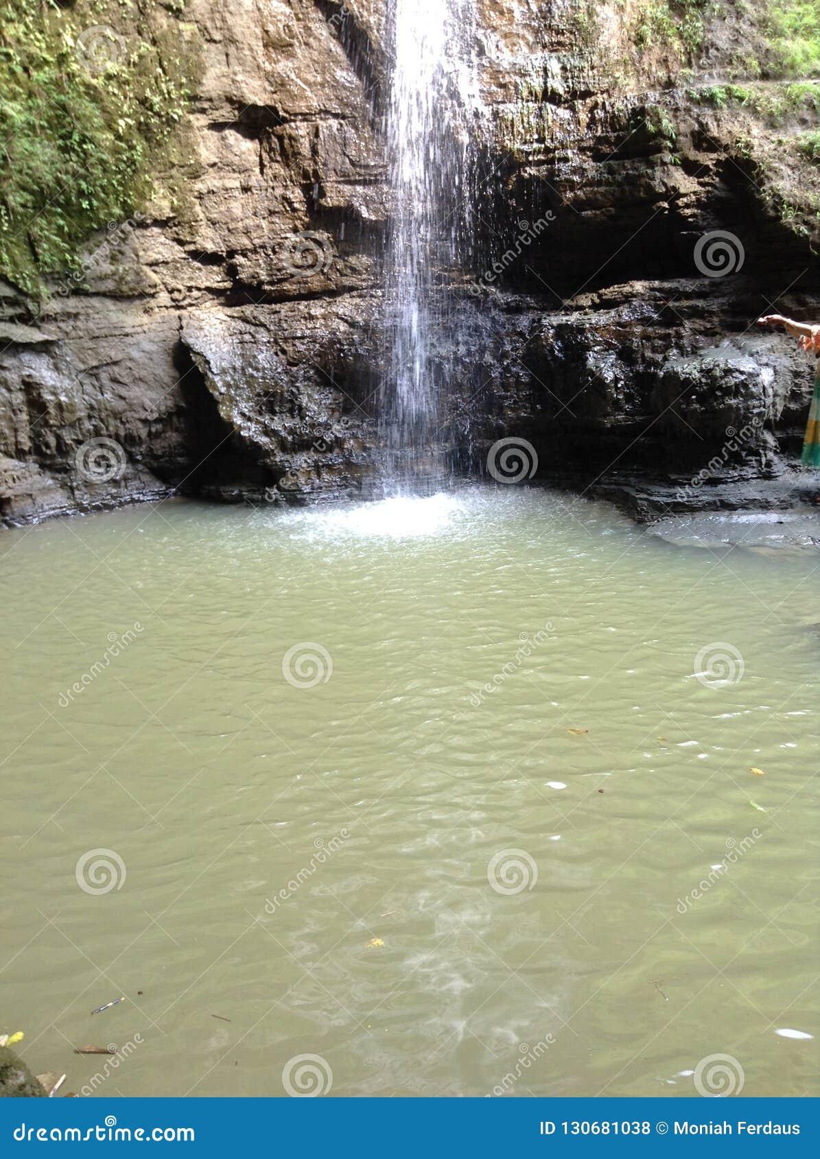Agua Falls-04 de Himchhari