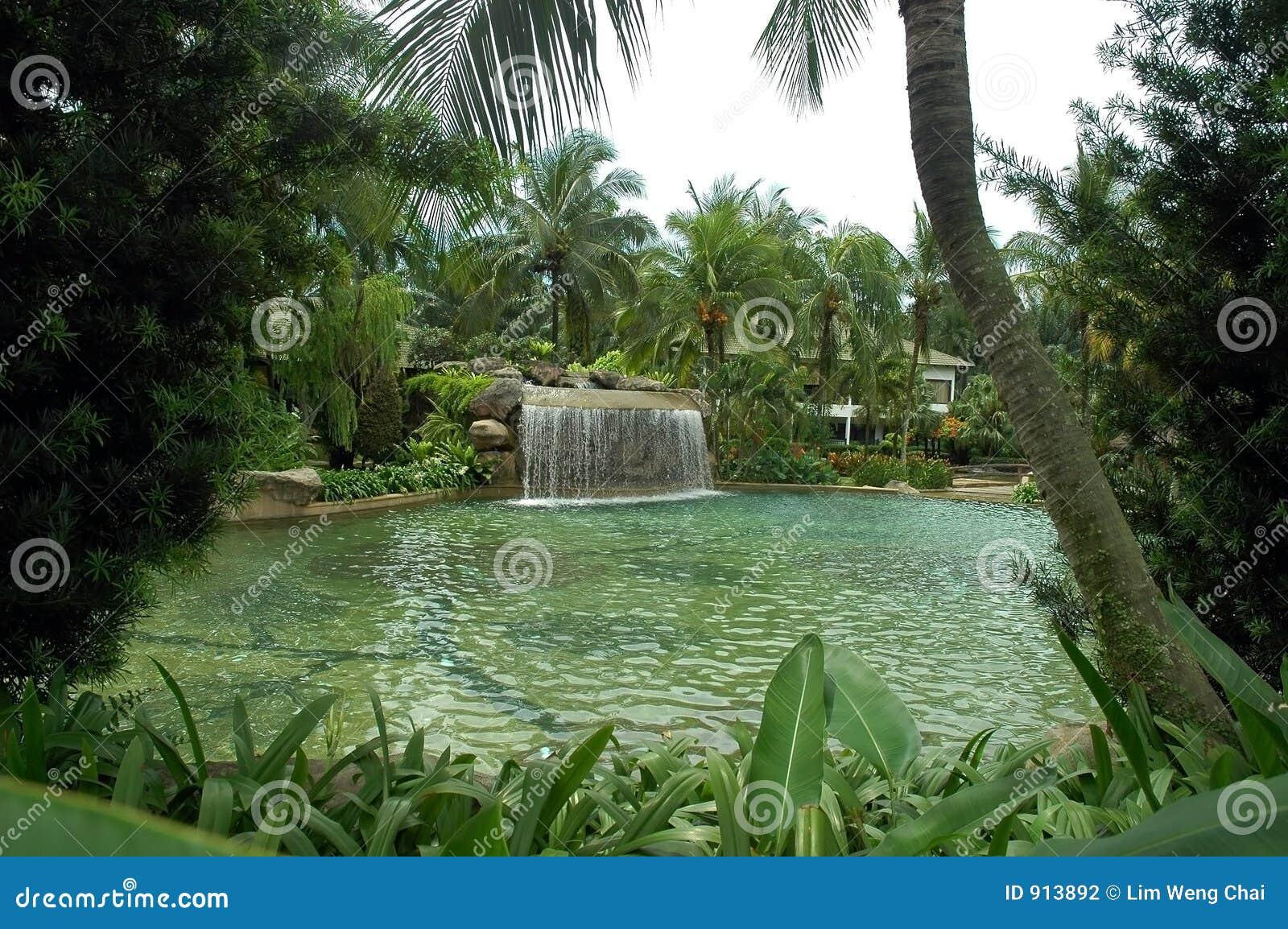 Agua-piscina