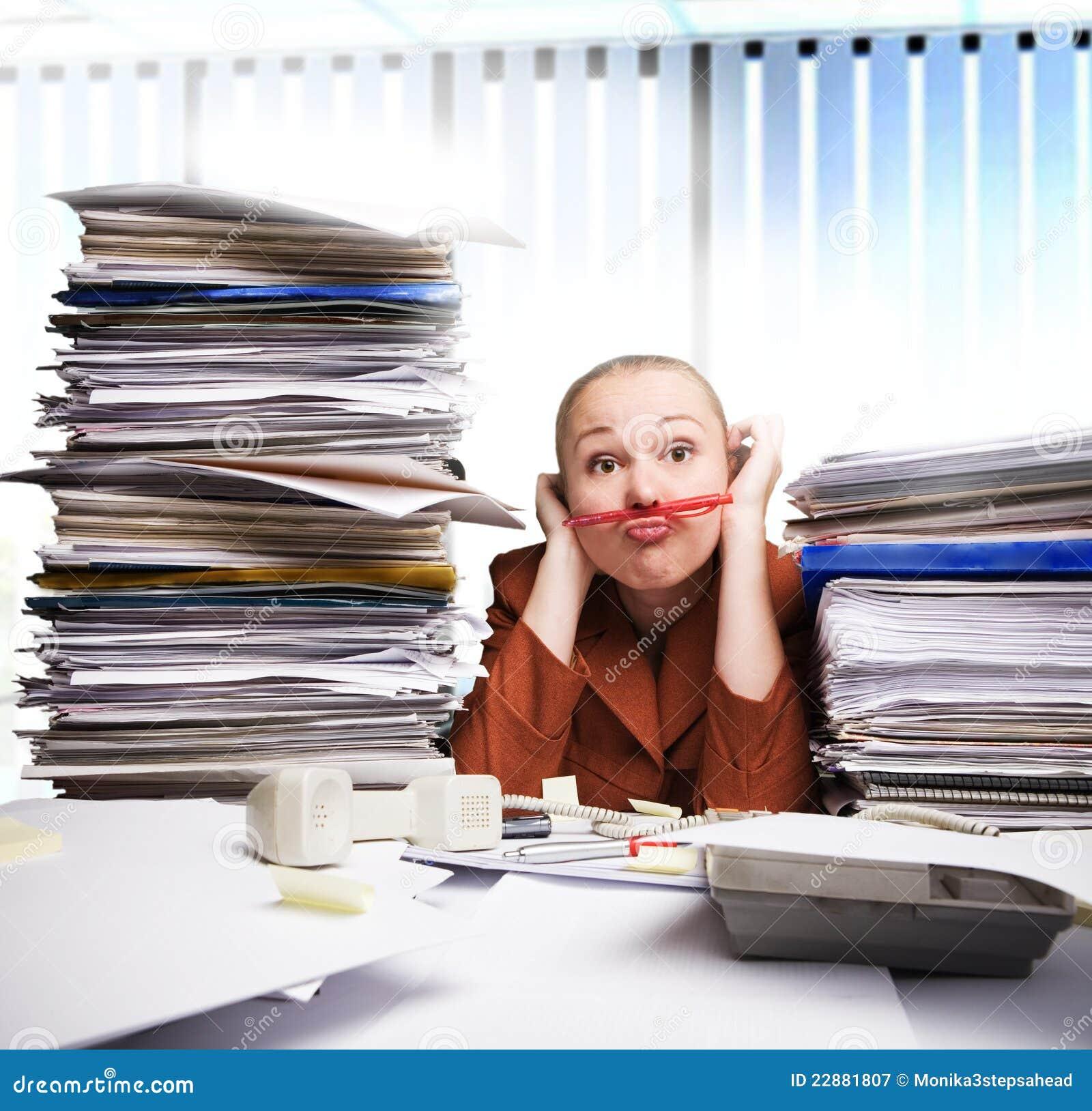 Agujereado en la oficina