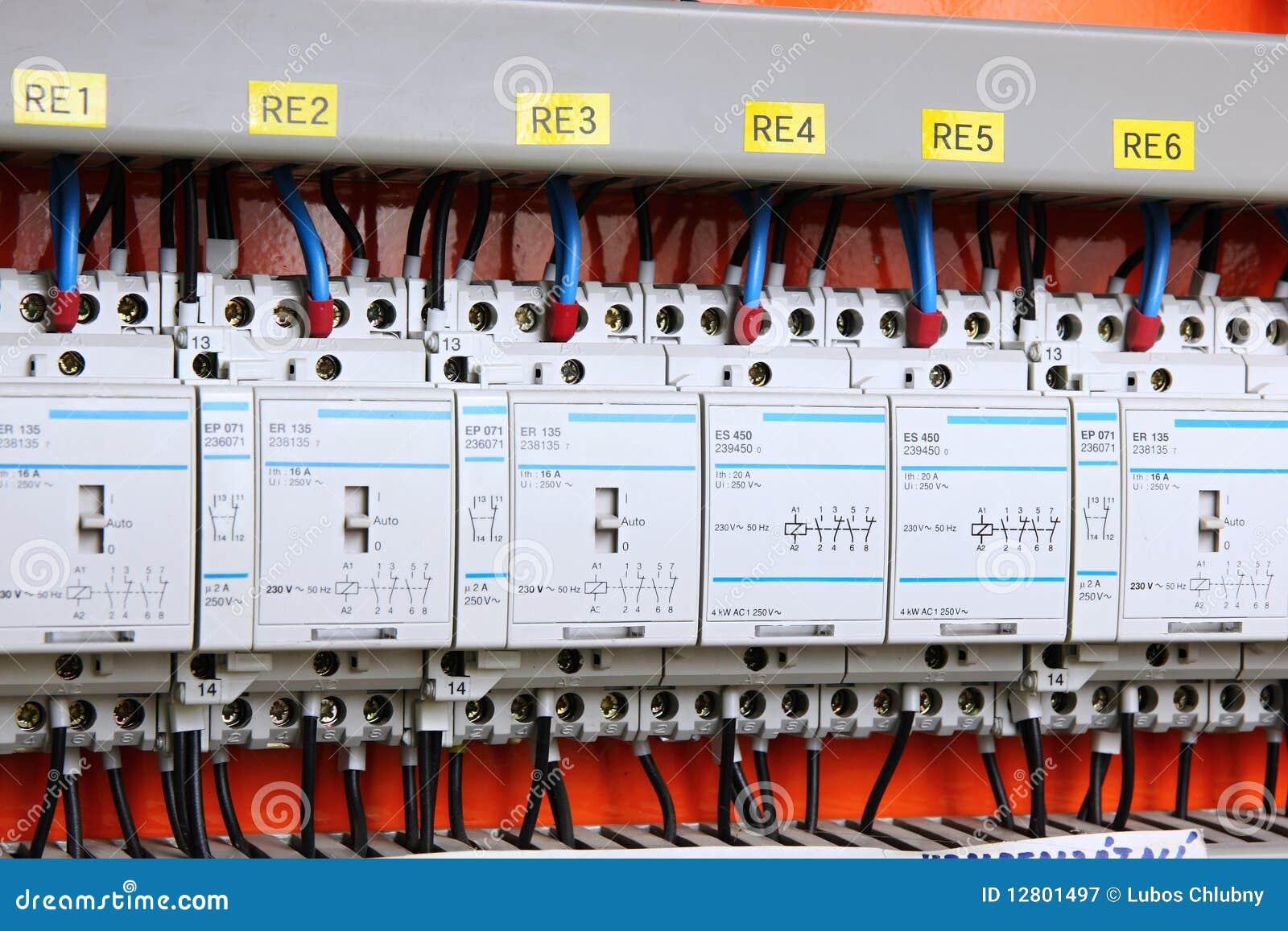 Agulheiro automático da eletricidade