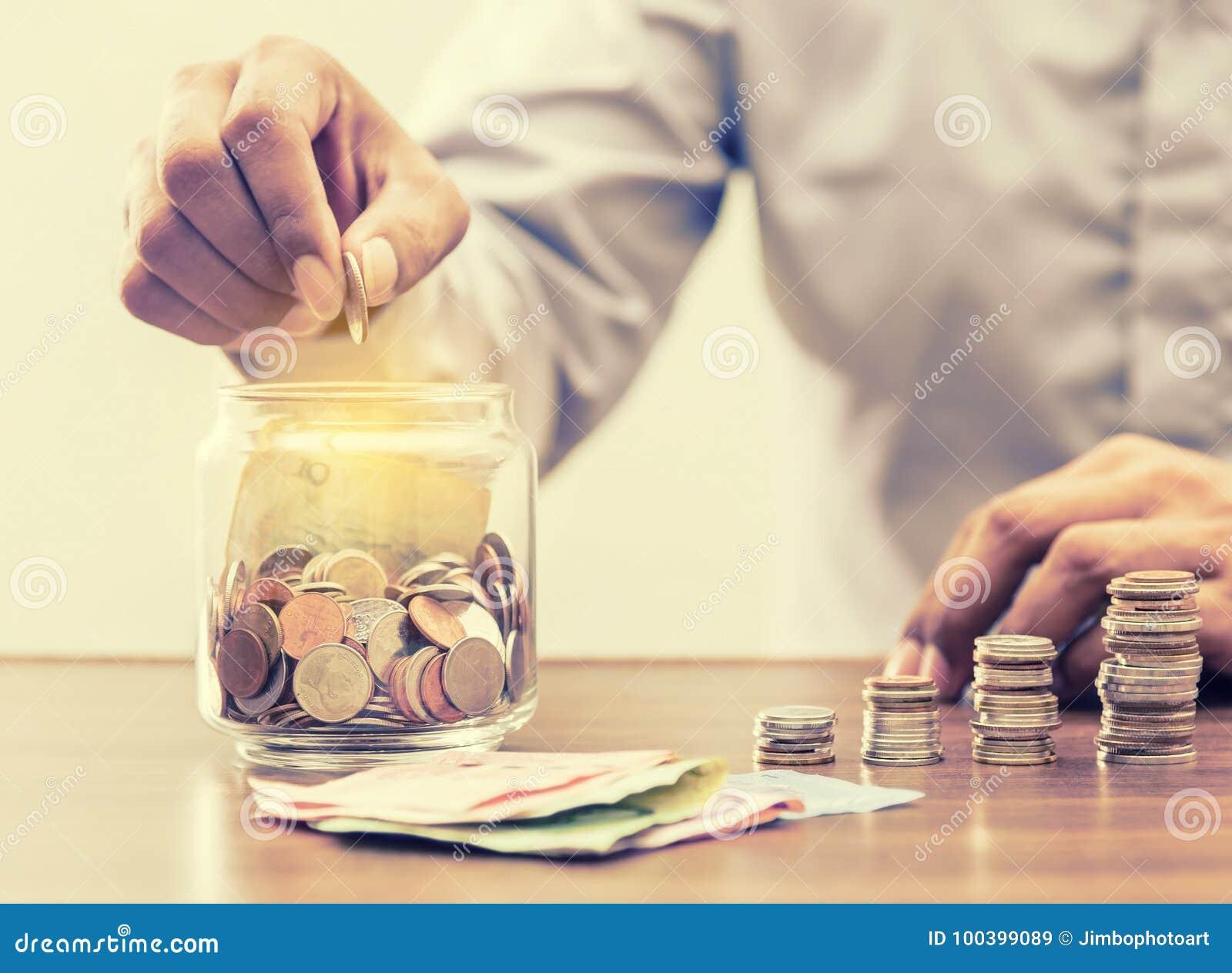 Ahorre el dinero para el retiro para el concepto del negocio de las finanzas