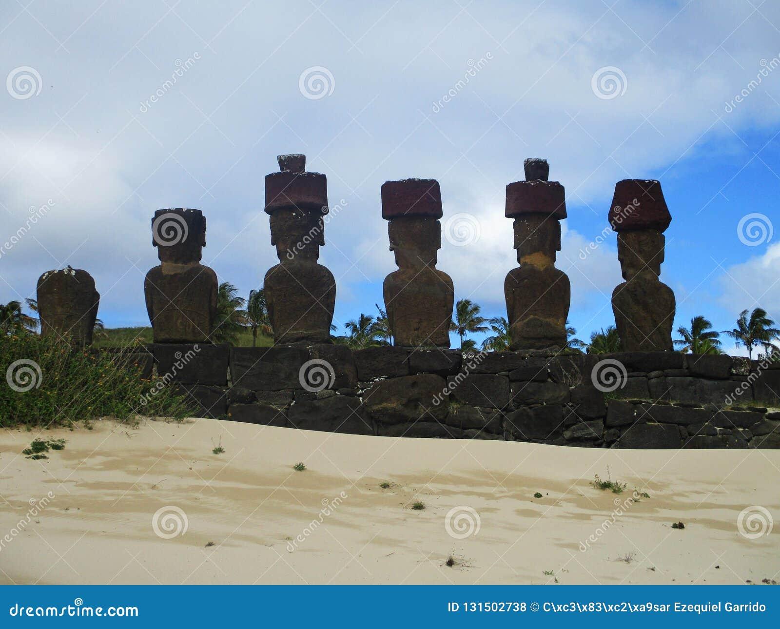 Ahu纳乌纳乌从后面,复活节岛智利