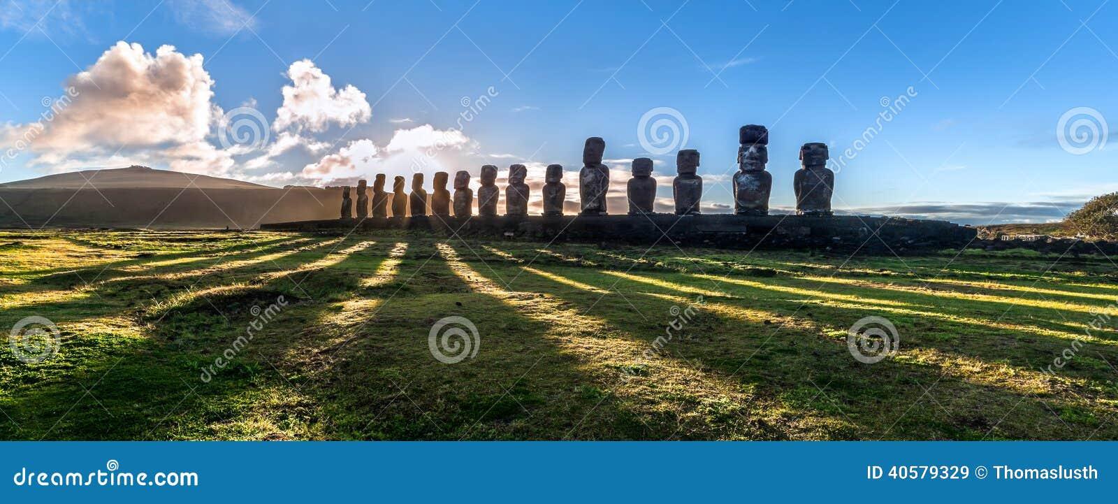 Download Ahu Tongariki на восходе солнца Стоковое Изображение - изображение насчитывающей внушительное, наследие: 40579329