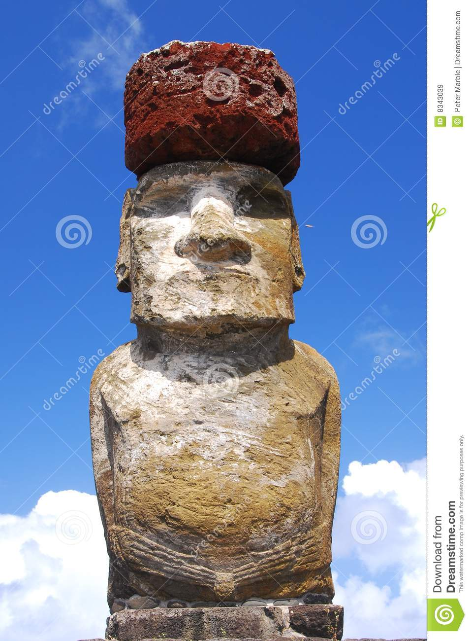 Ahu Tongariki moai with top knot