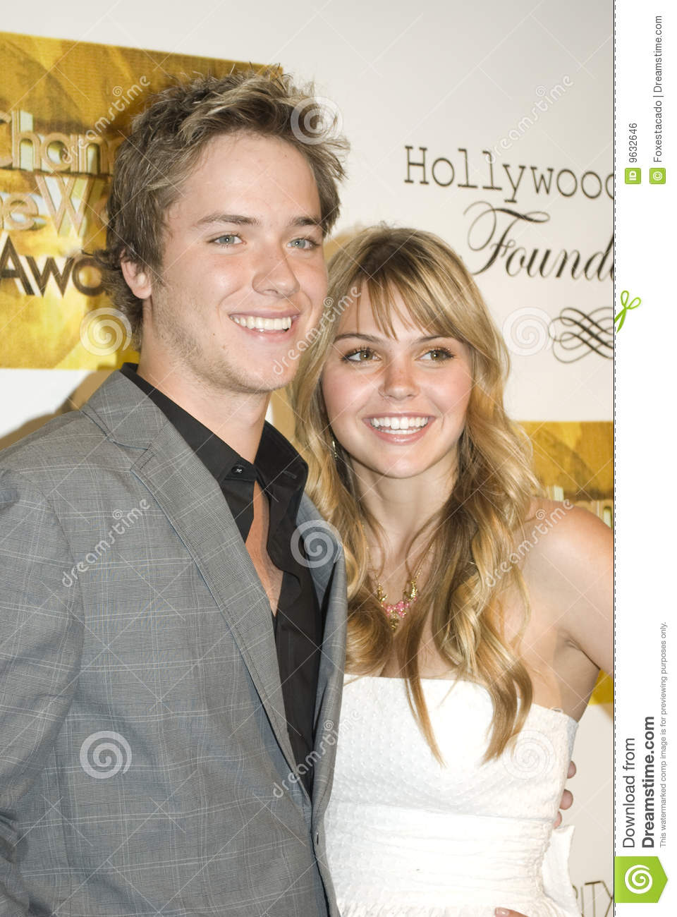 Aimee teegarden and jeremy sumpter dating. how often should you contact someone you're dating.