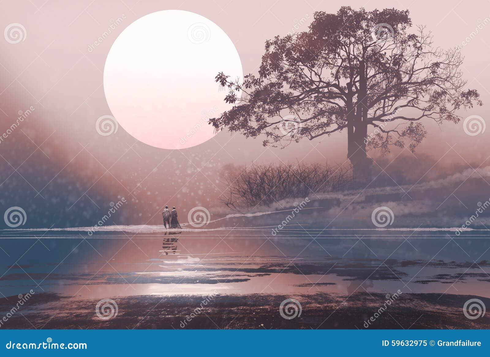 Aimez les couples dans le paysage d hiver avec la lune énorme ci-dessus