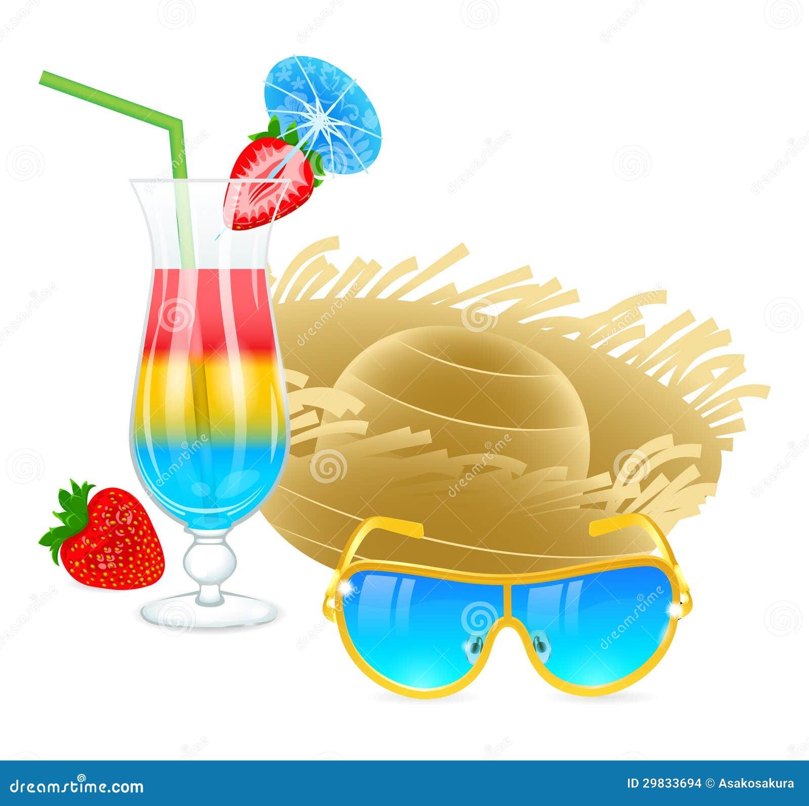 Cocktail frio com óculos de sol, chapéu e morango
