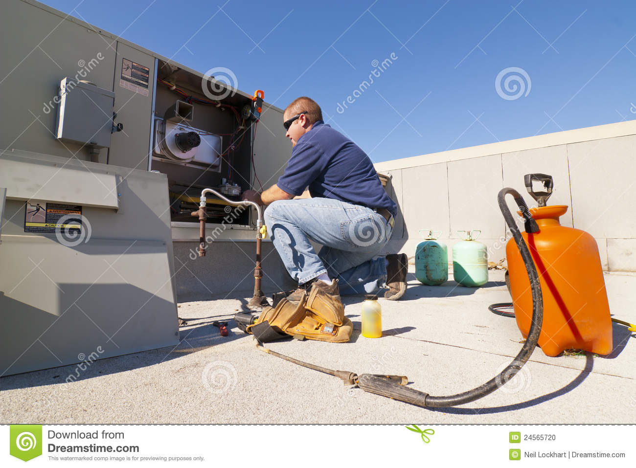 air-conditioner-repair-24565720.jpg