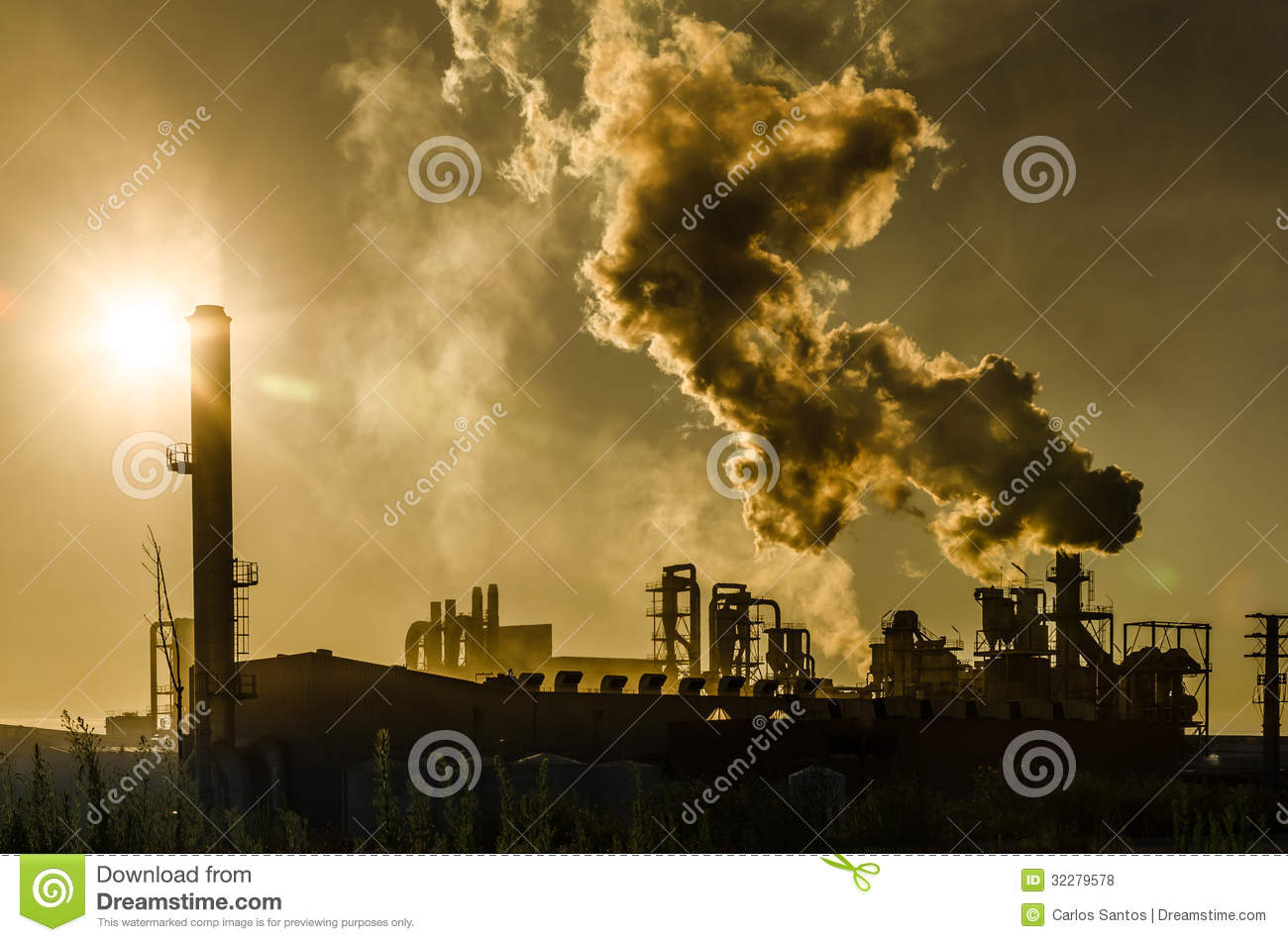 Air pollution coming from factory