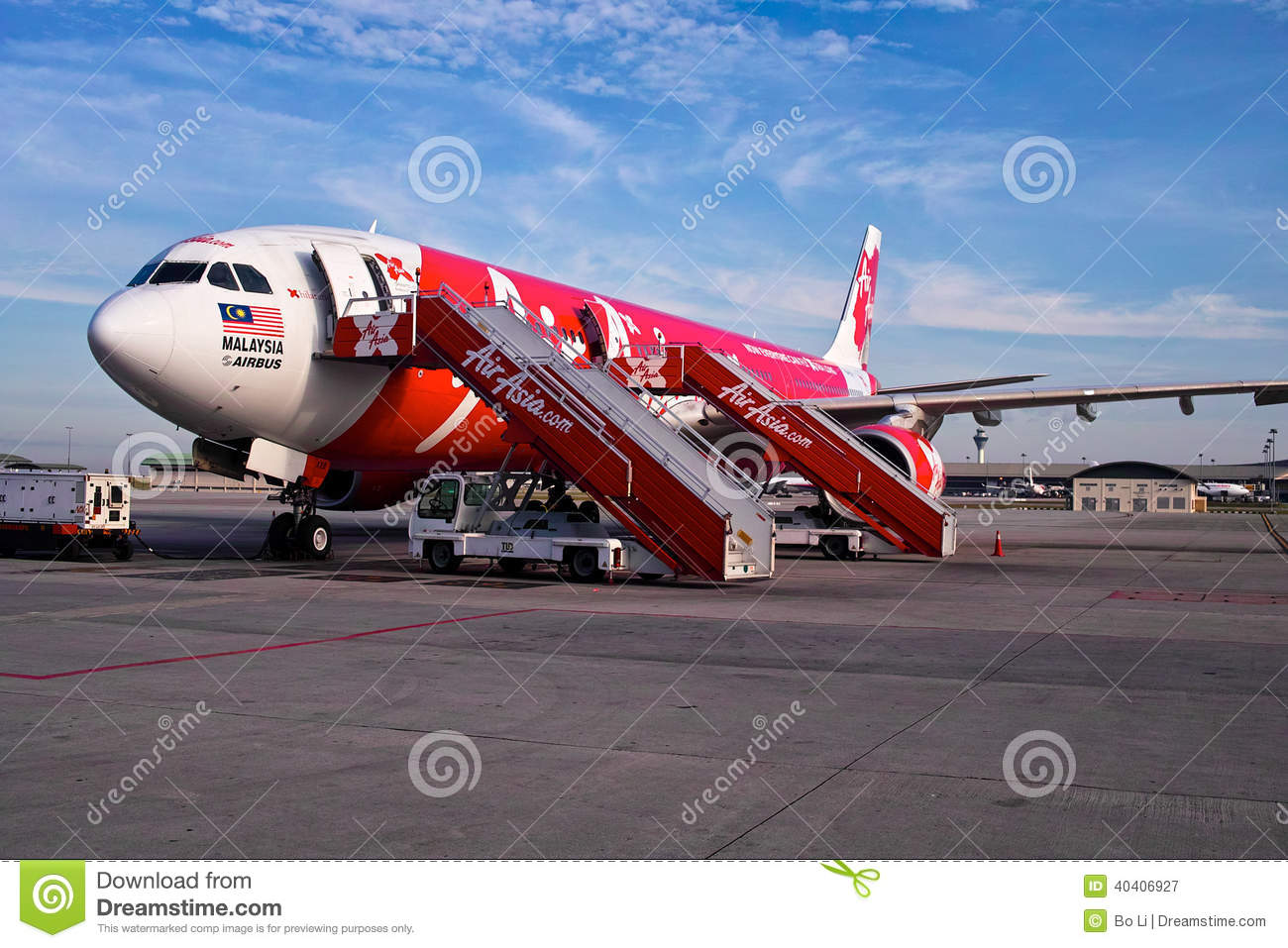 airasia low cost carriers in asia A detailed guide to small airlines in asia, budget airlines, and low cost carriers, by vijay verghese, and more from smart travel asia and dancing wolf media.