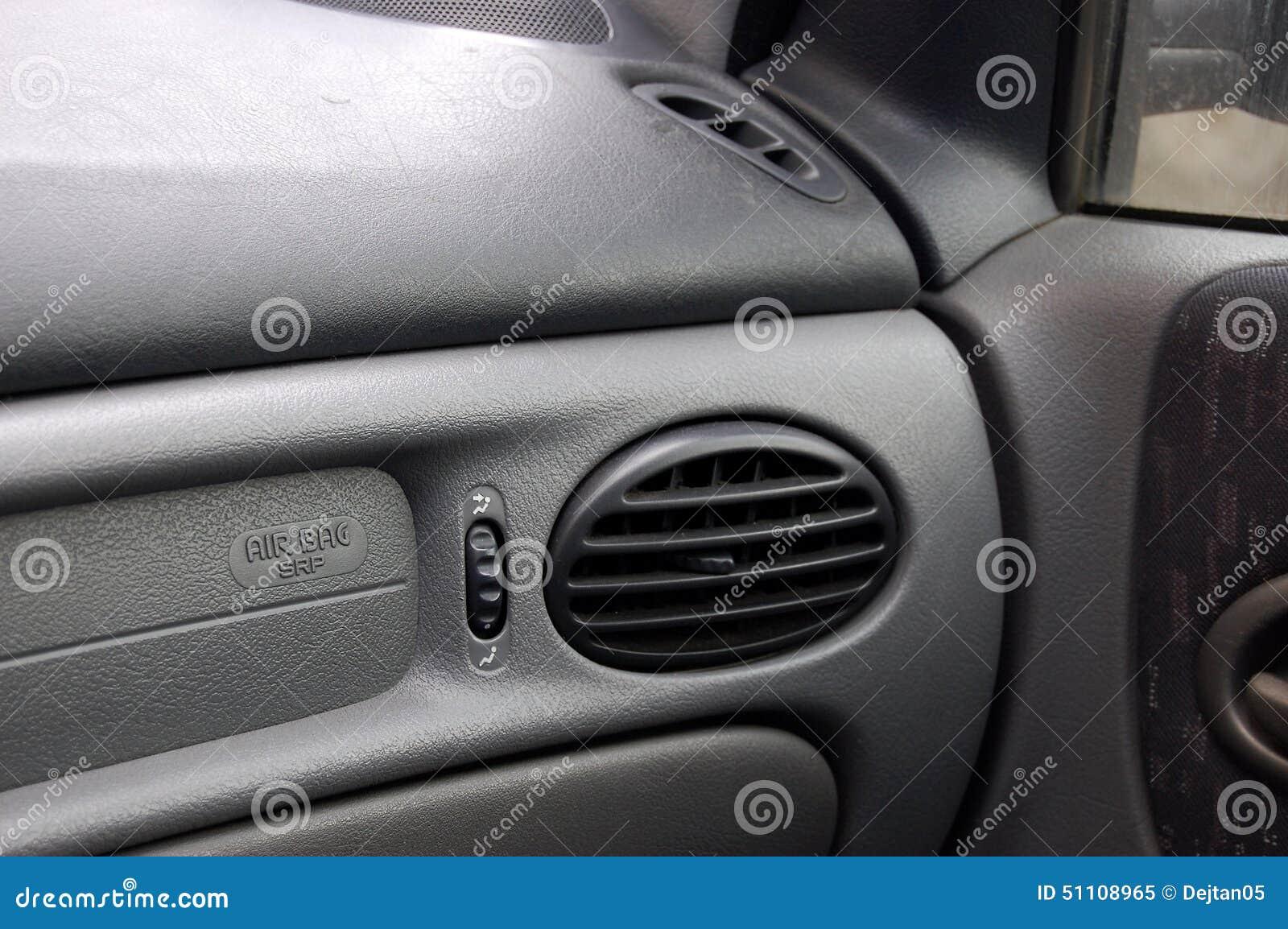 airbag de voiture de tourisme photo stock image 51108965. Black Bedroom Furniture Sets. Home Design Ideas