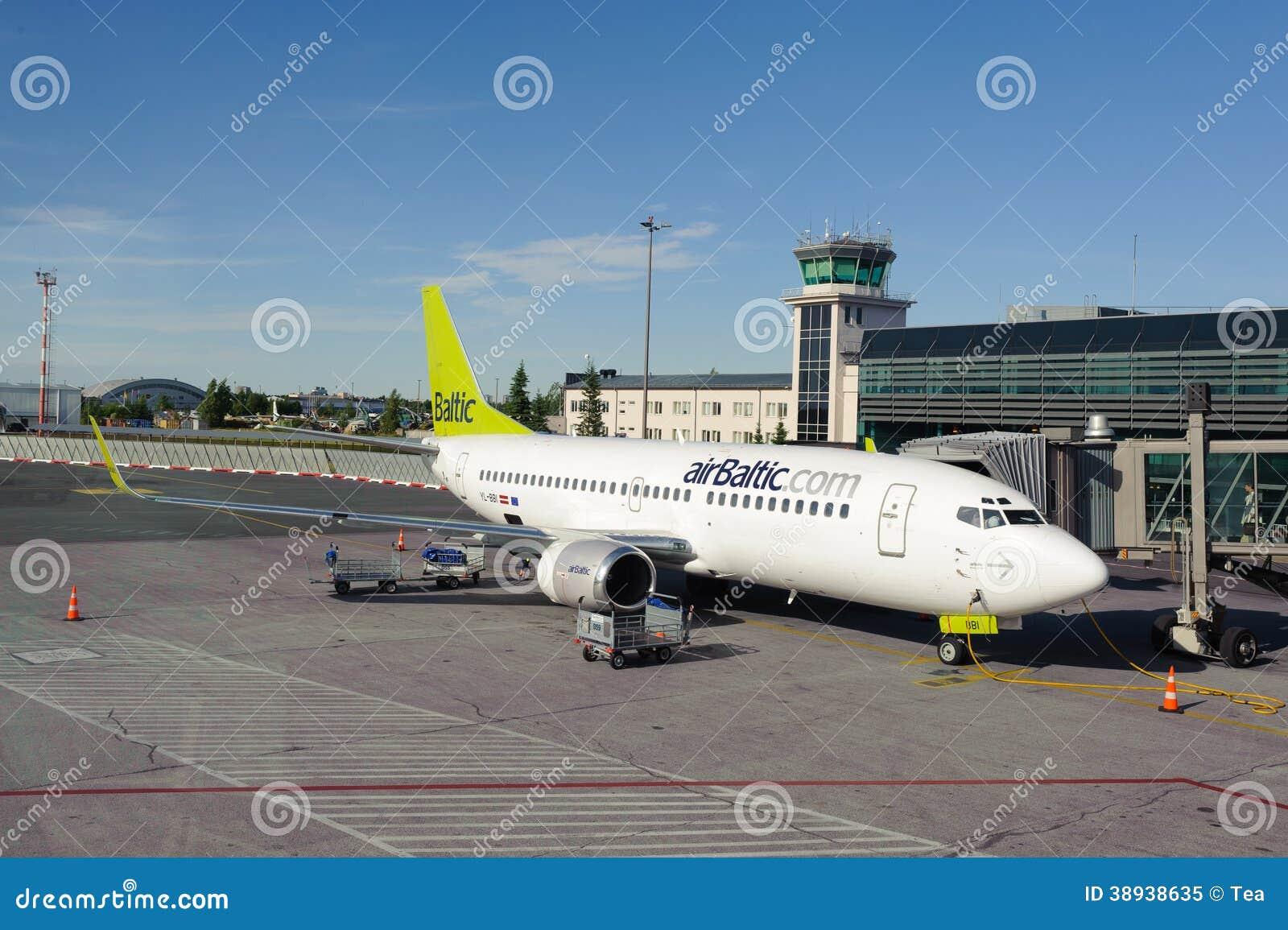 AirBaltic在里加机场靠码头的波音737