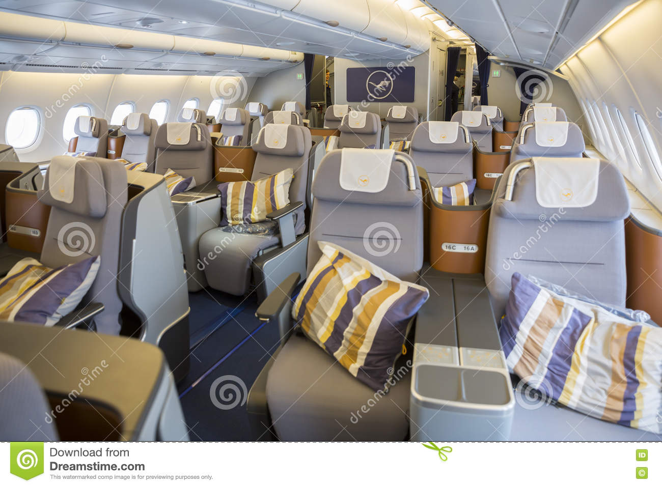 Airbus a380 inside images galleries for Inside interieur