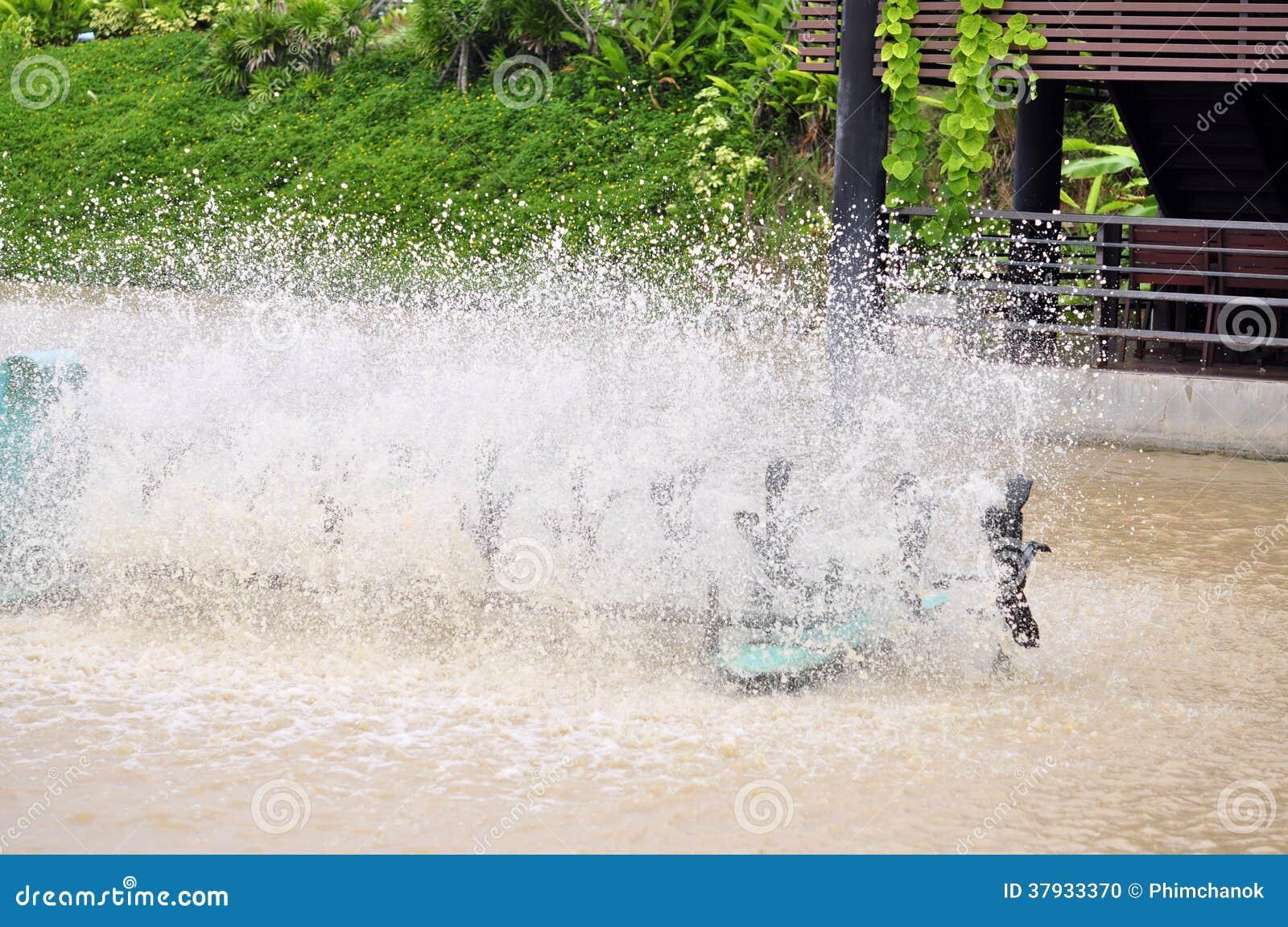 Aireación de la turbina en agua