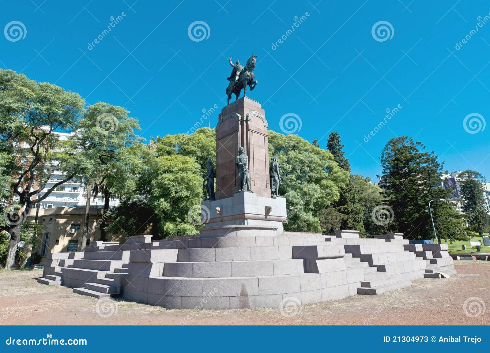 Aires alvear Buenos Carlos De Statua