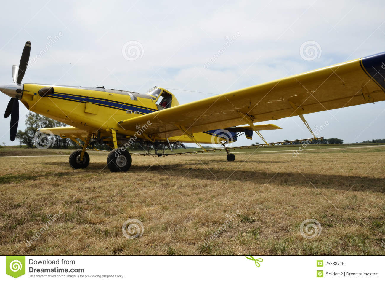 Airplane Crop Duster Royalty Free Stock Image - Image: 25883776