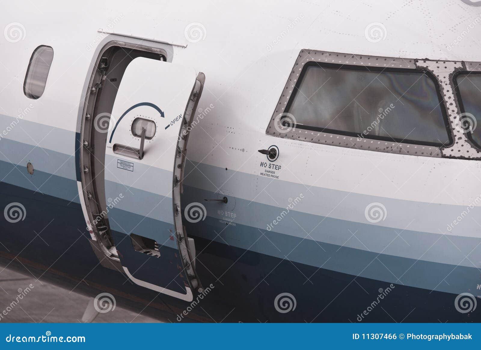 Airplane Door & Airplane Door Royalty Free Stock Image - Image: 11307466 Pezcame.Com