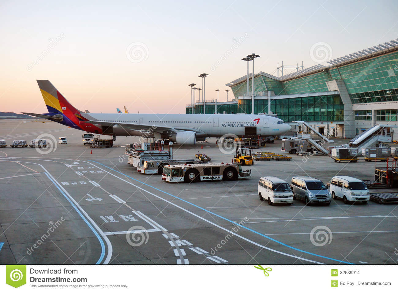 Airplanes At Incheon International Airport ICN In Seoul, South Korea ...