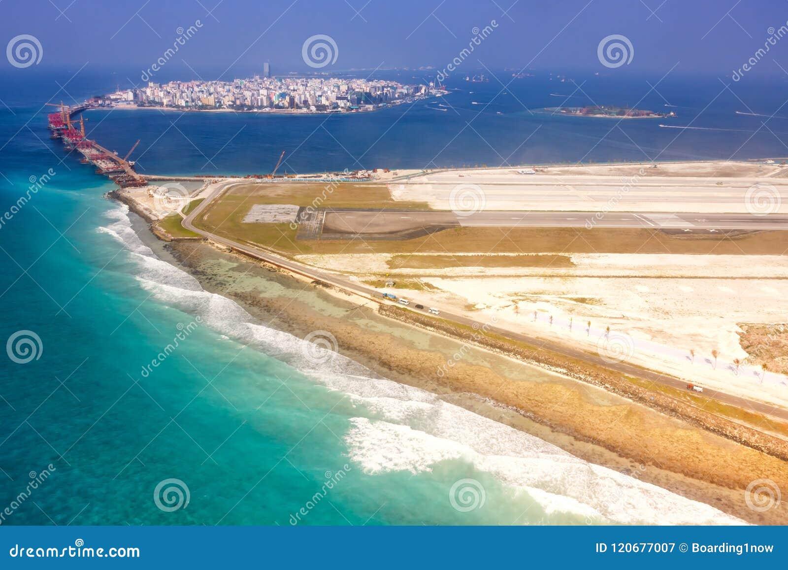 Aeroporto Male Maldive : Airport maldives male city island aerial photo stock image image