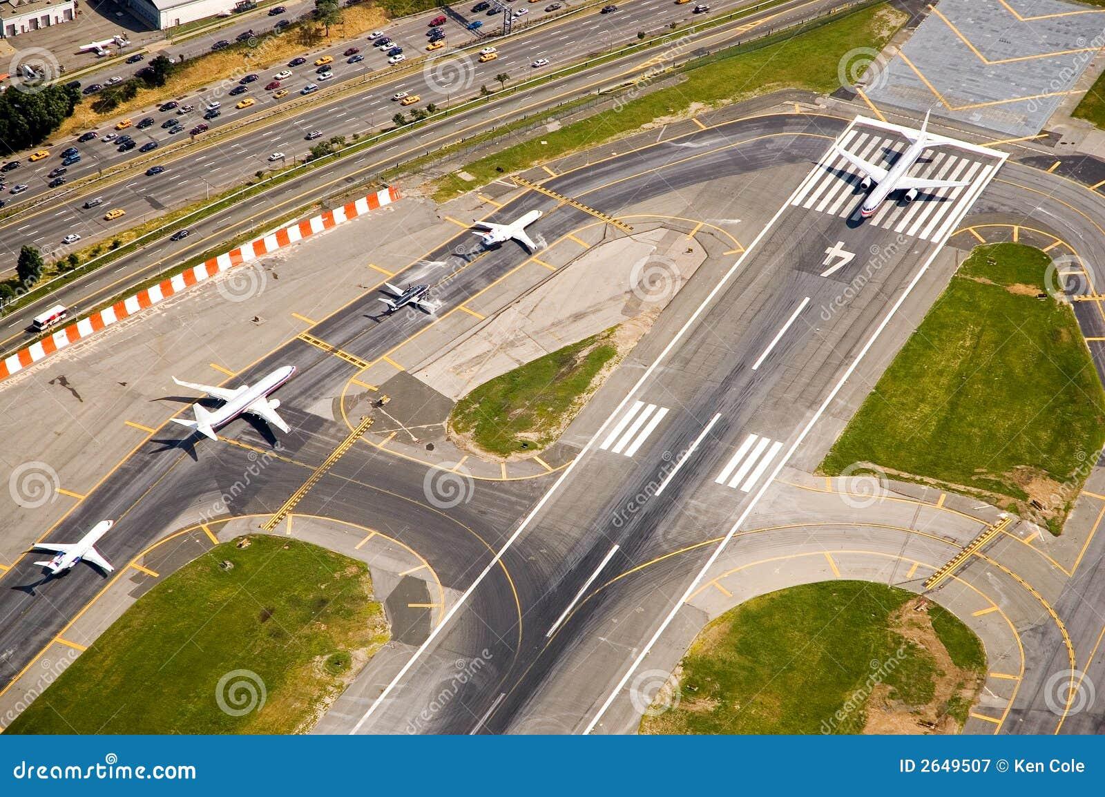 aeroplane landing area guideline dimension