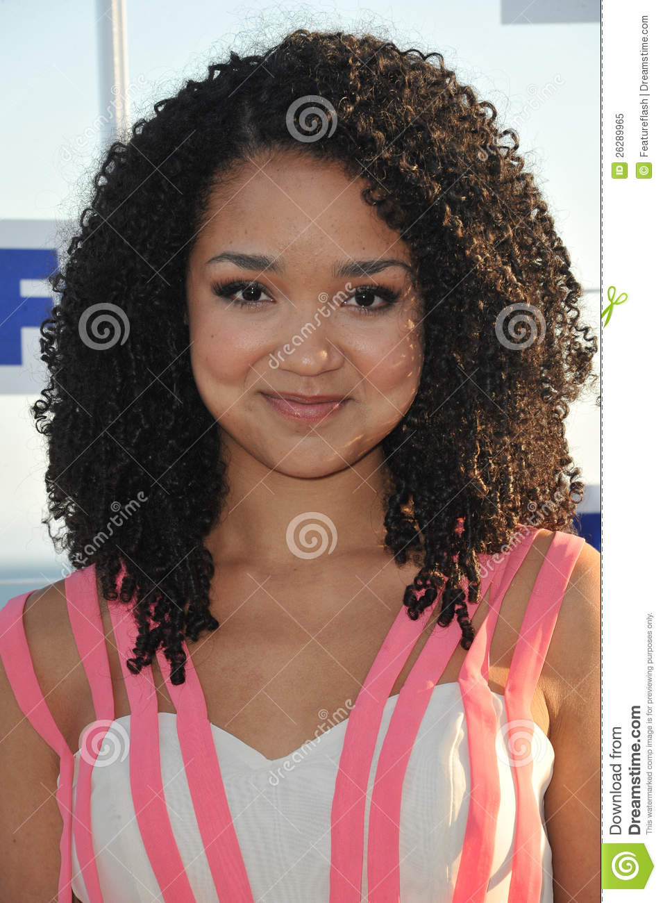 aisha dee height and weight