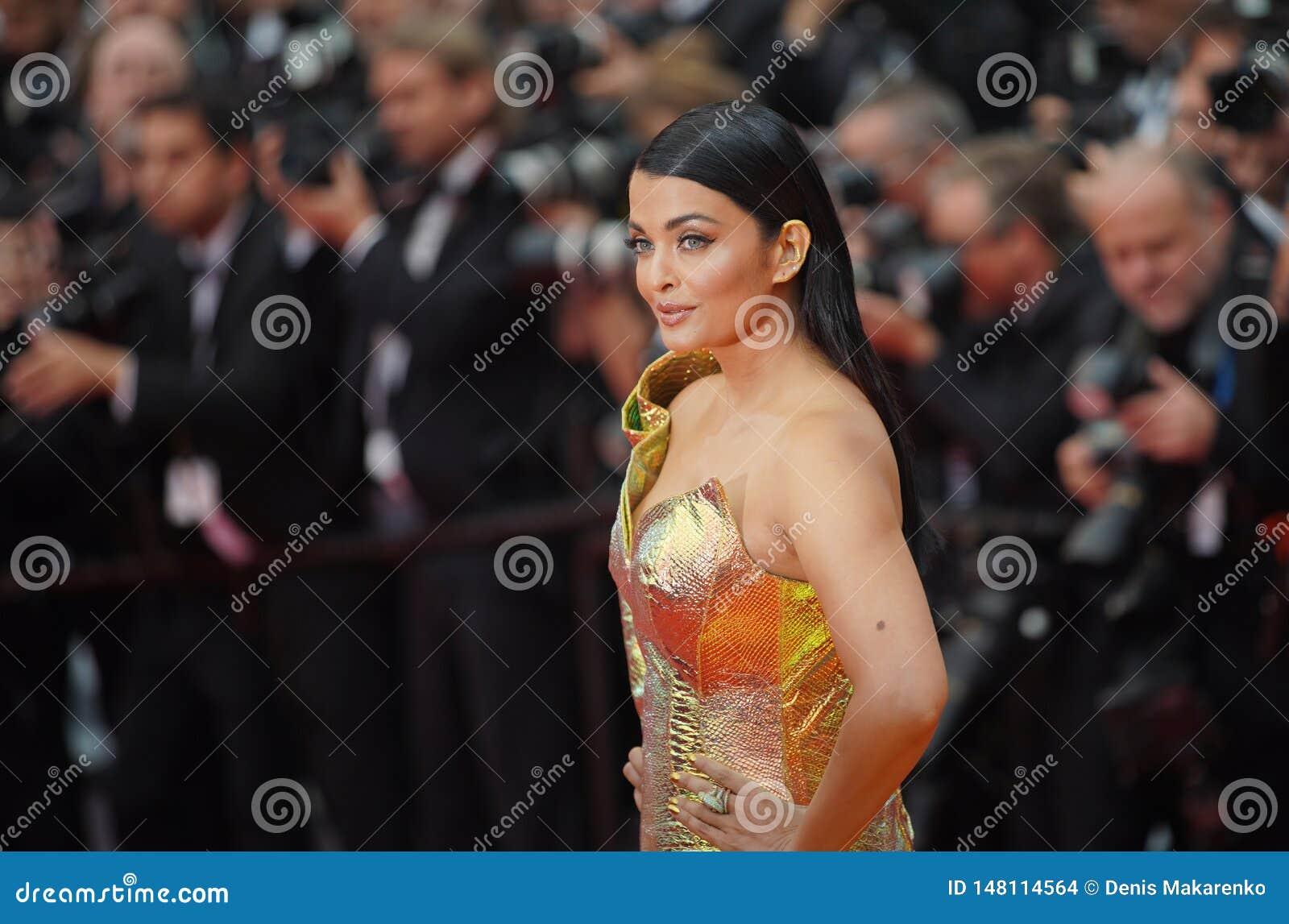 Aishwarya Rai присутствует на скрининге