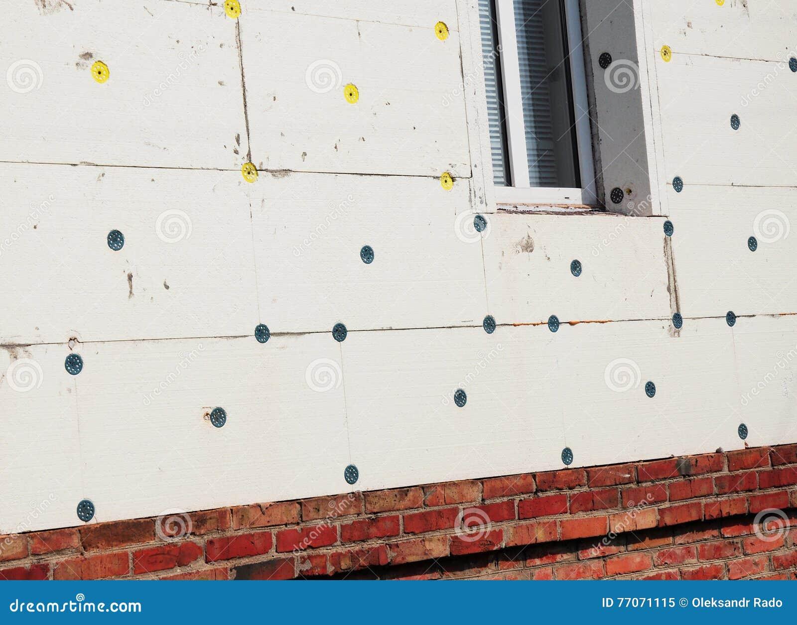 Aislamiento exterior de la pared de la casa con el - Aislamiento de paredes ...