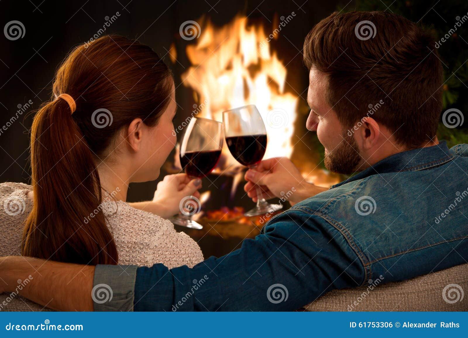 Ajouter au verre de vin à la cheminée