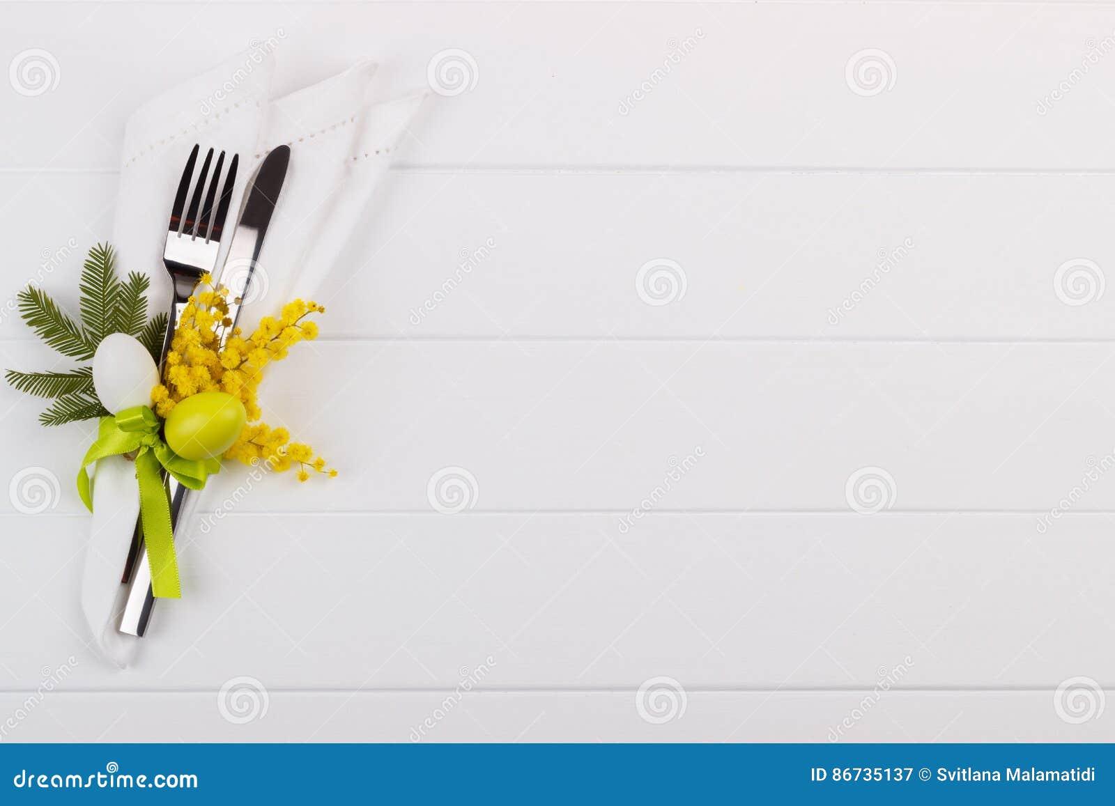 Ajuste de la tabla de cena de Pascua