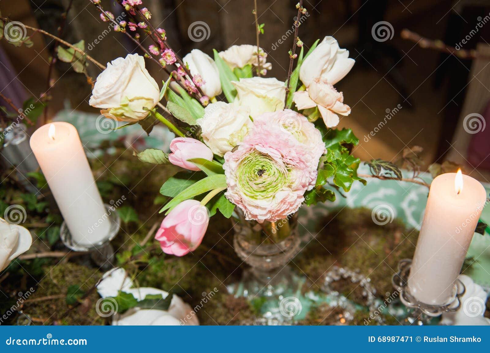 Ajuste de la tabla para casarse o el evento
