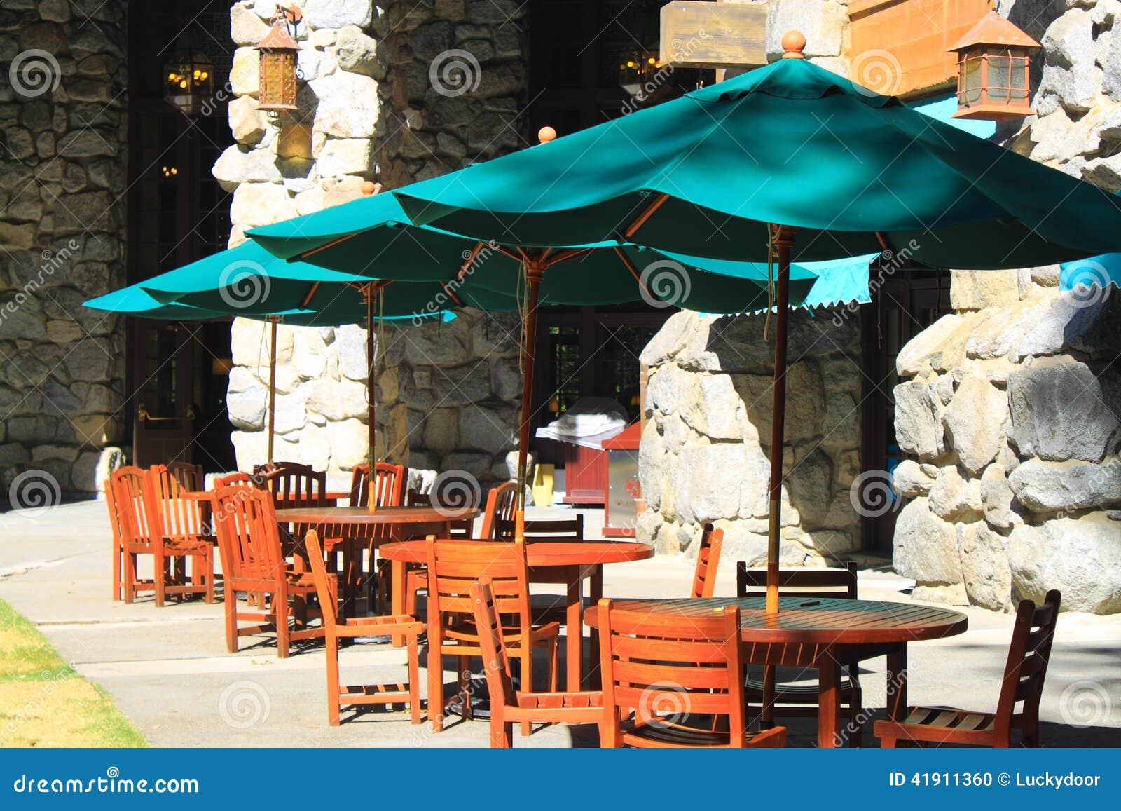 Ajuste de la tabla para el alumerzo al aire libre