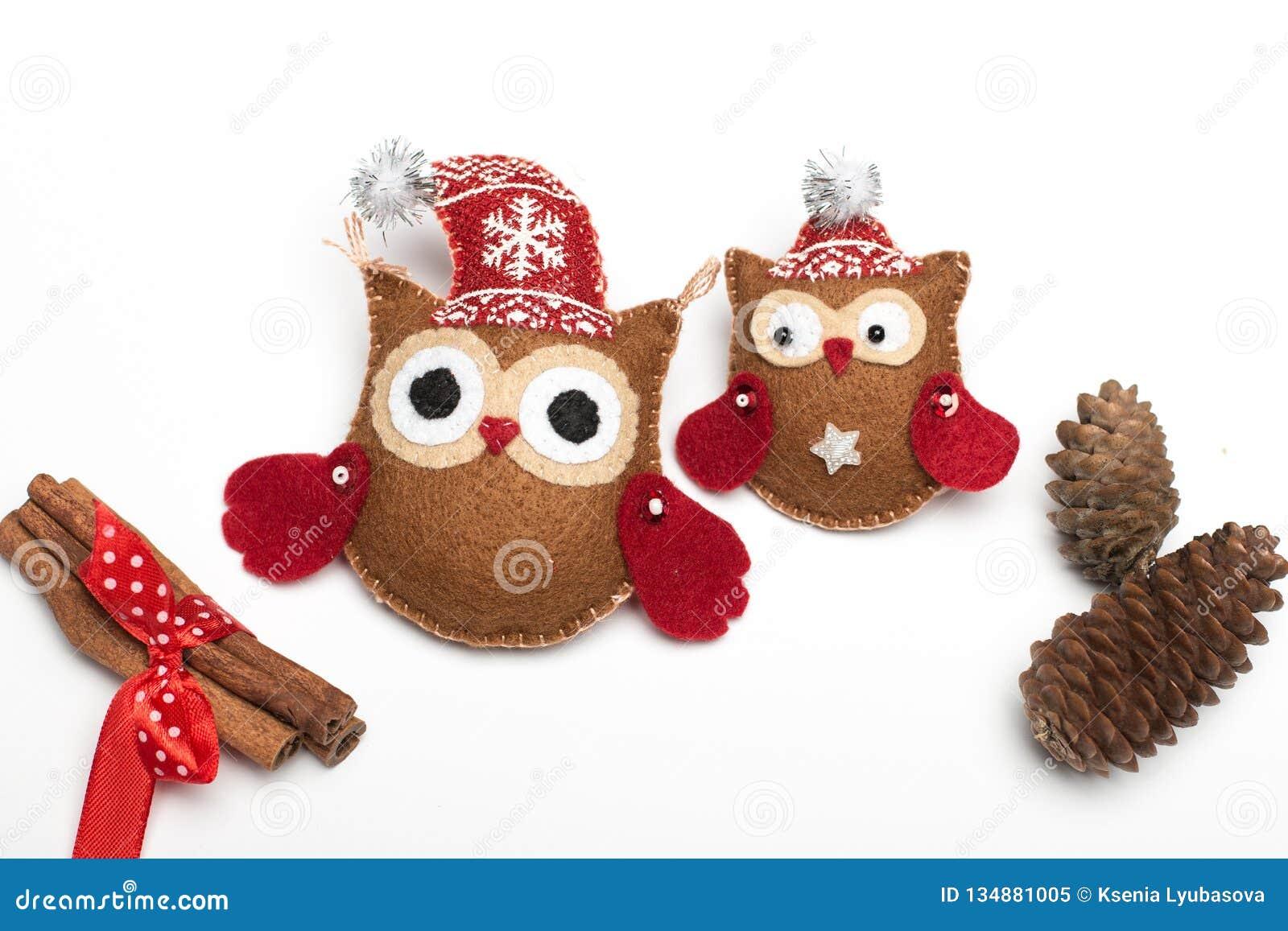 Ajuste de seis feltros feitos a mão das decorações do Natal