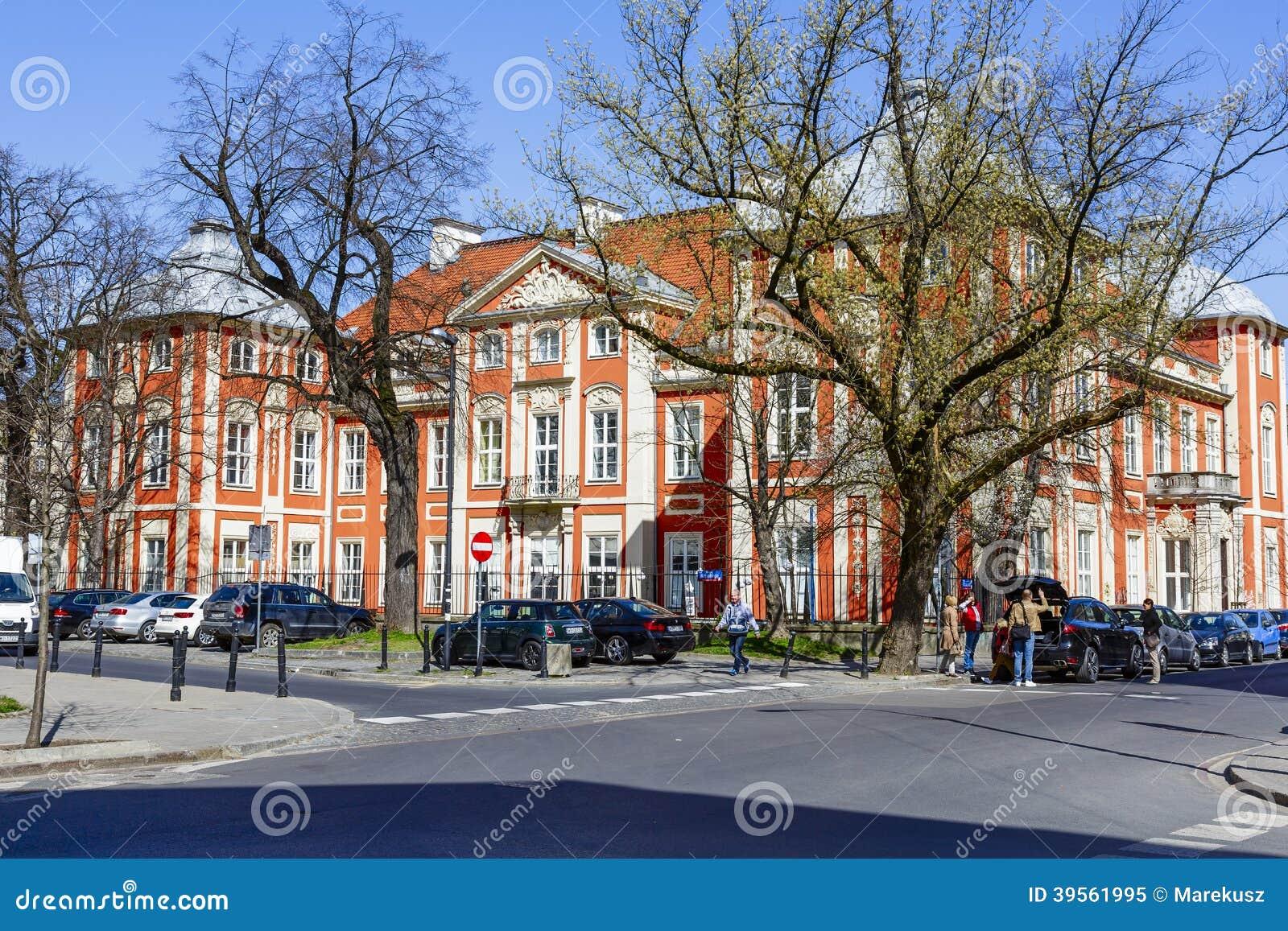 Akademi av konster i Warszawa i den Czapski slotten