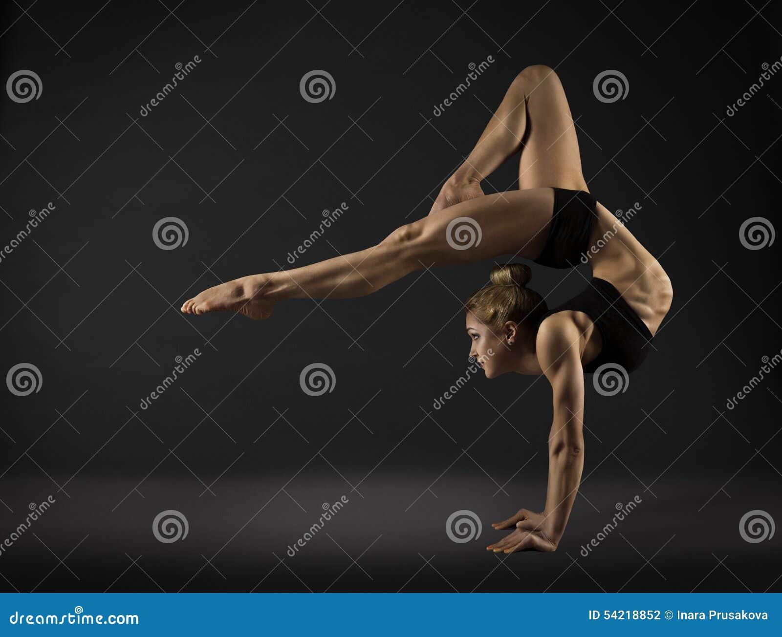 Akrobat-Ausführender, Zirkus-Frauen-Handstand, Gymnastik biegen sich zurück