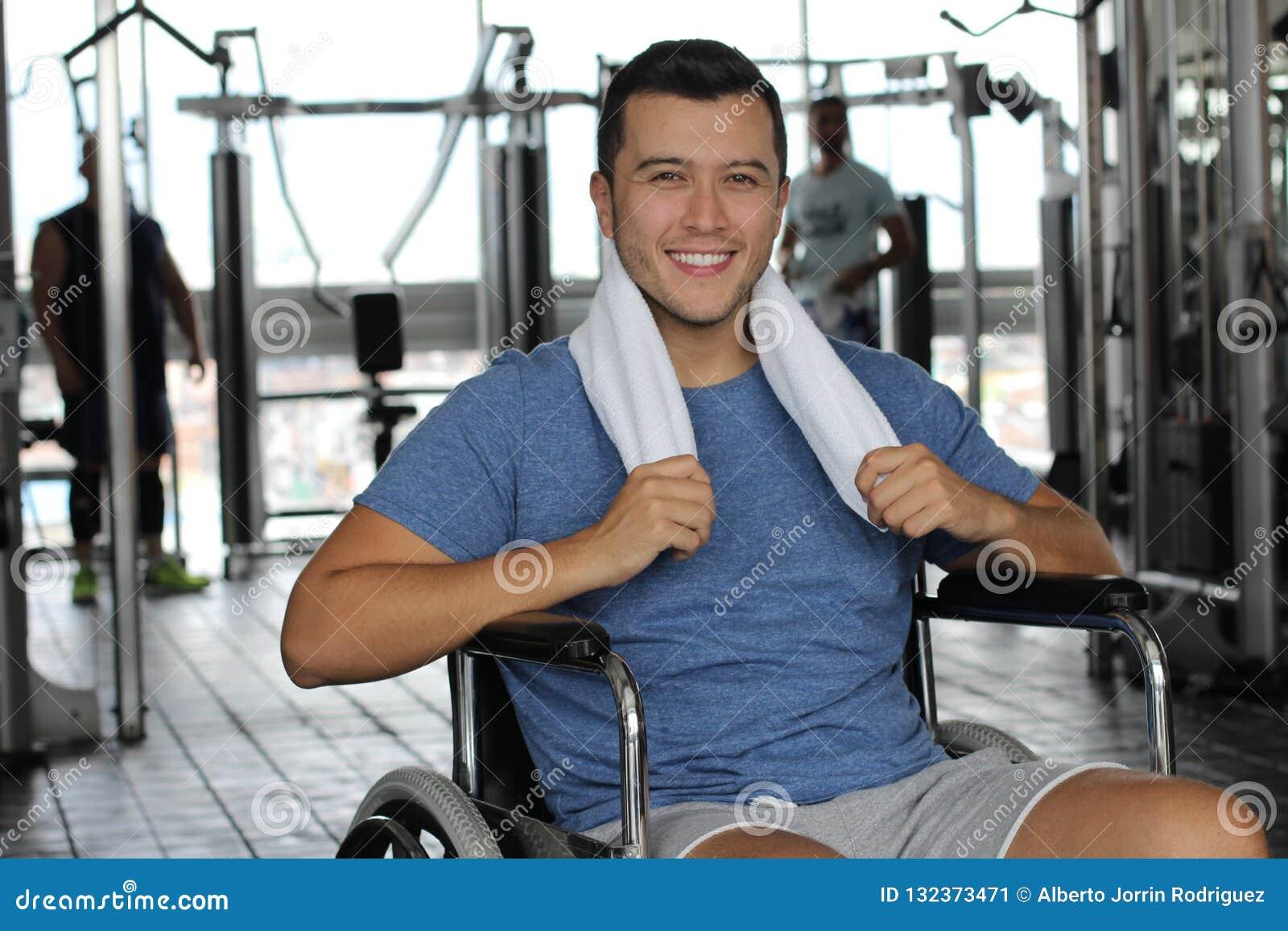 Aktiv man med ett handikapp